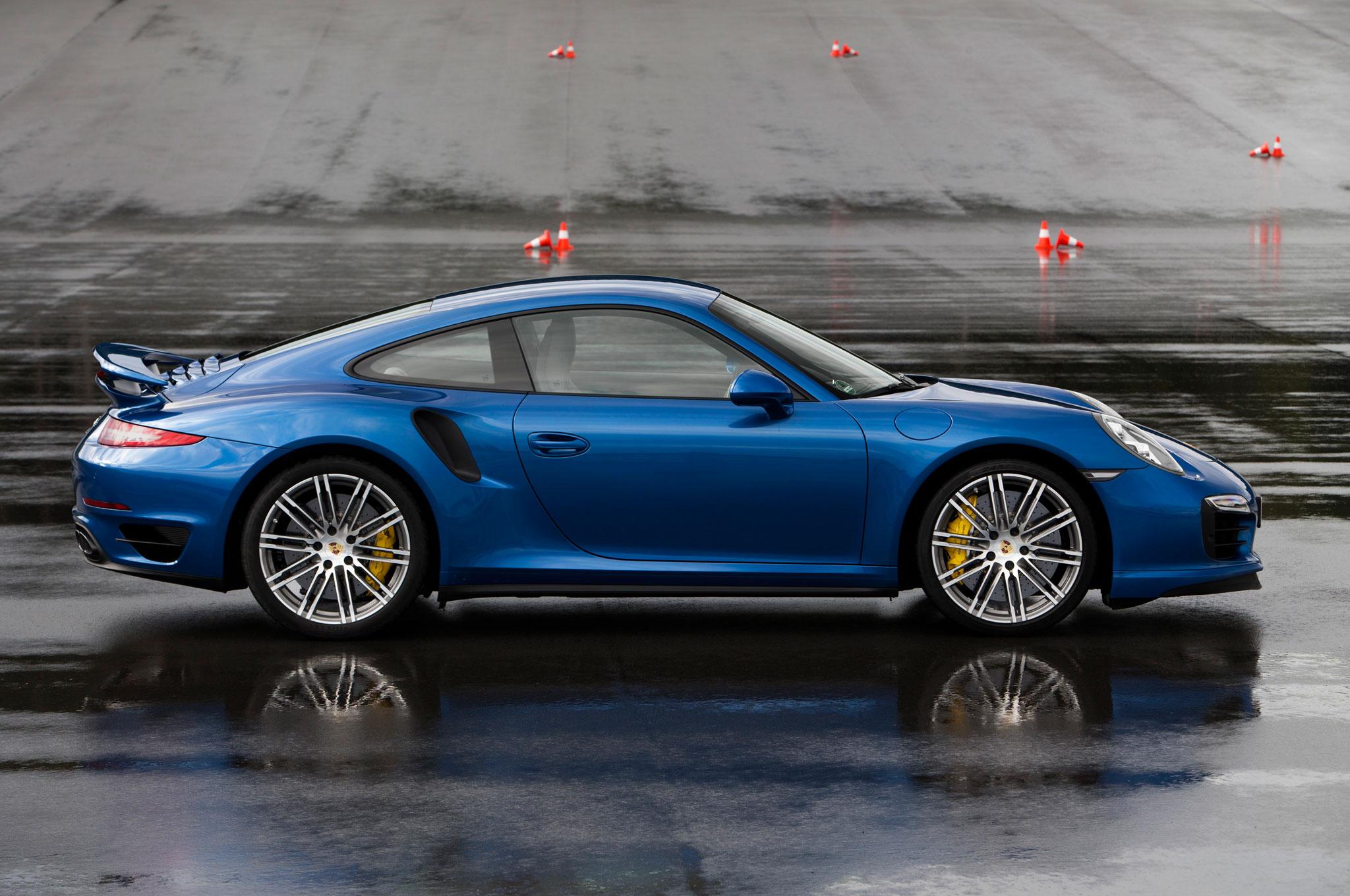 2014 porsche 911 turbo s right side view - 911 Porsche 2014