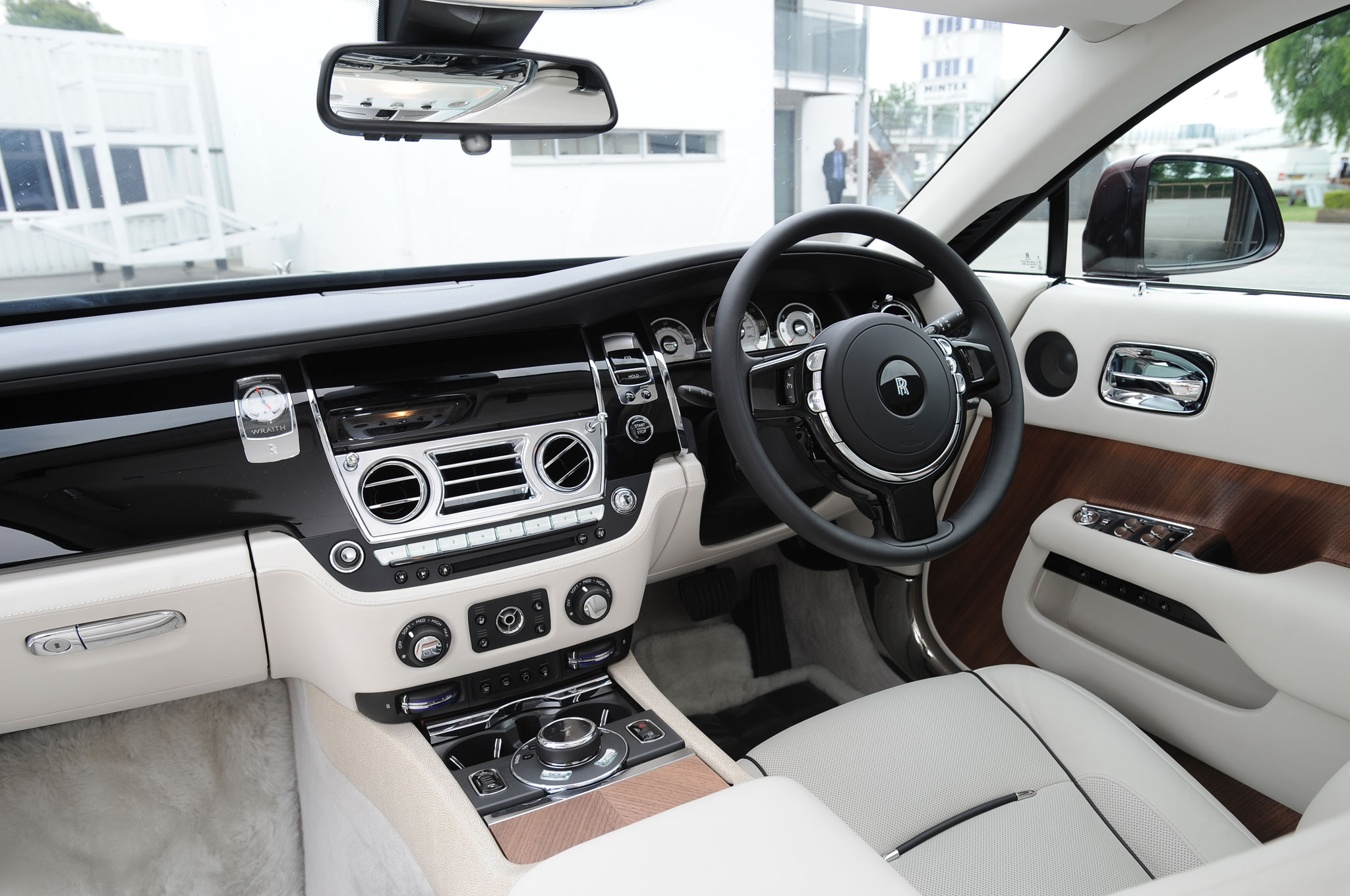 rolls royce wraith 2015 interior. we rolls royce wraith 2015 interior