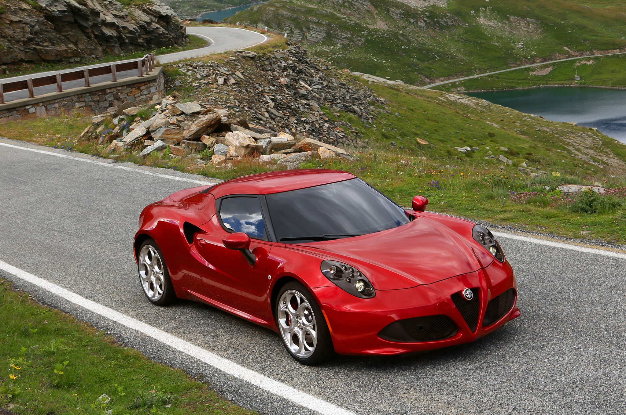 2014 Alfa Romeo 4c From Above1