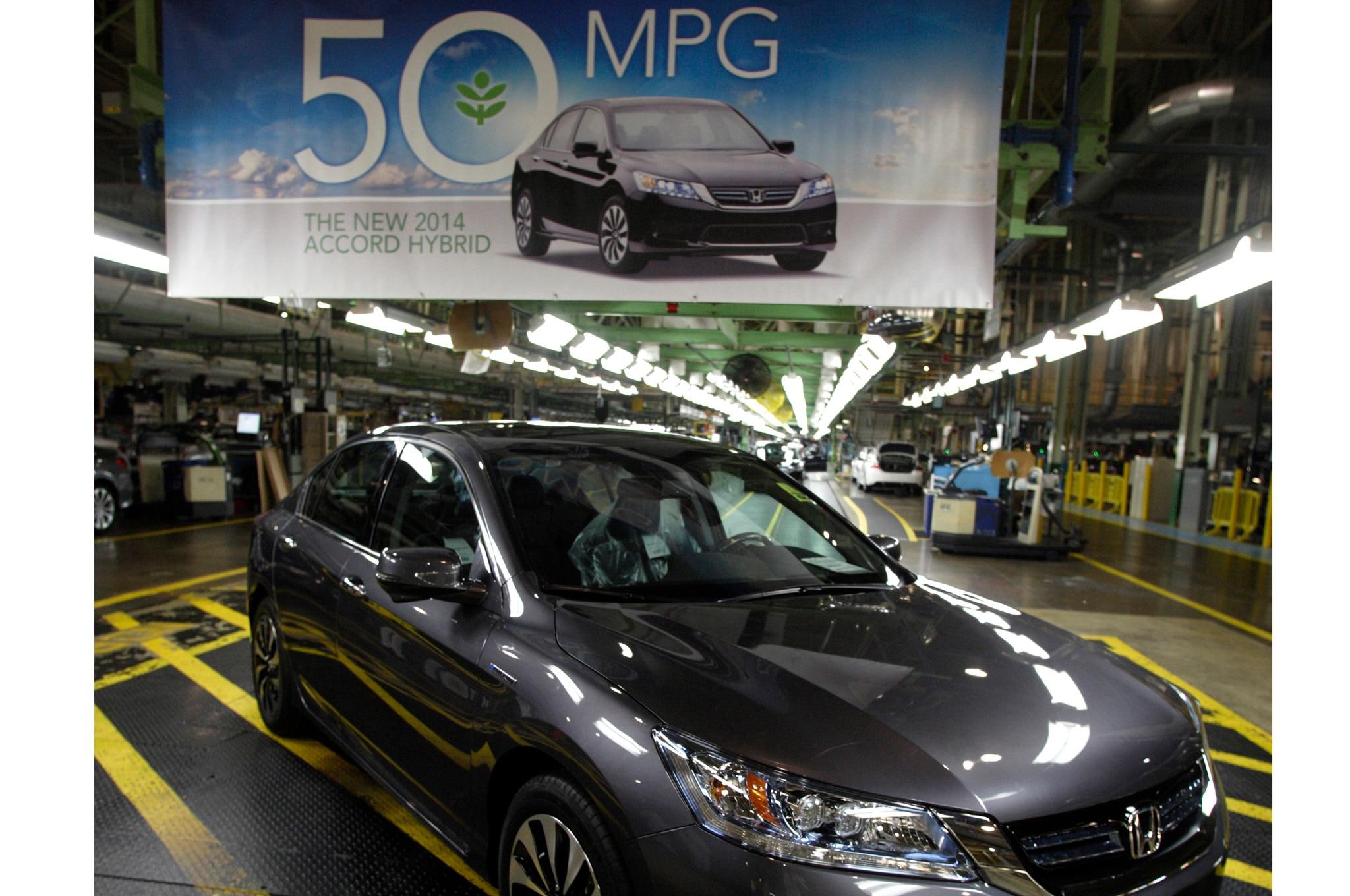 2014 Honda Accord Hybrid Rated at 50 MPG City