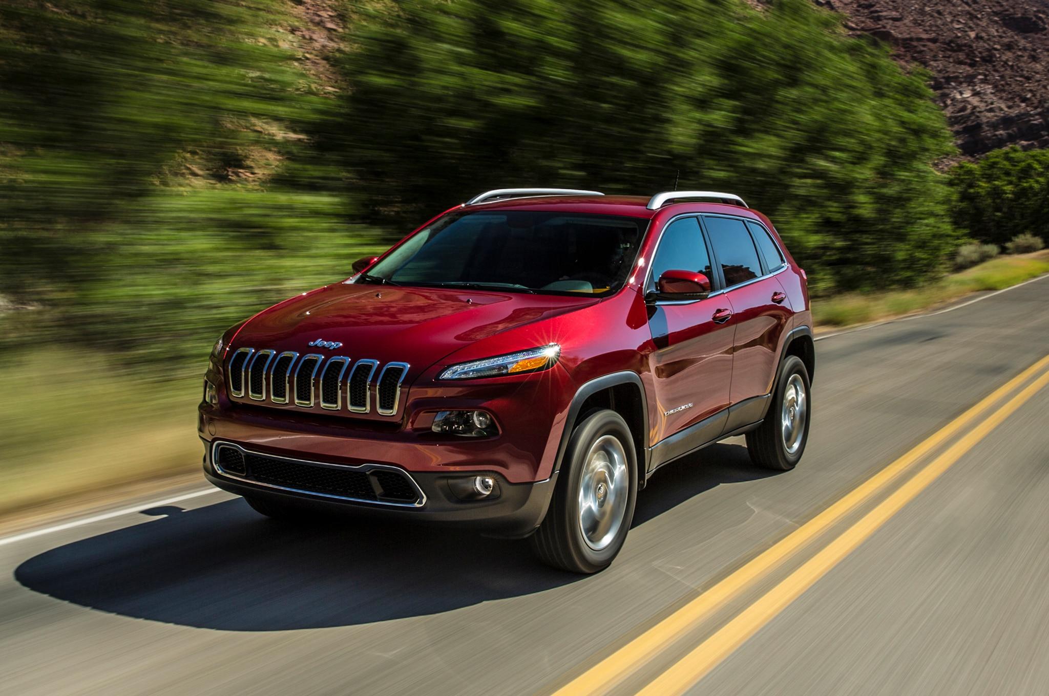 2014 Jeep Cherokee Front Three Quarters1