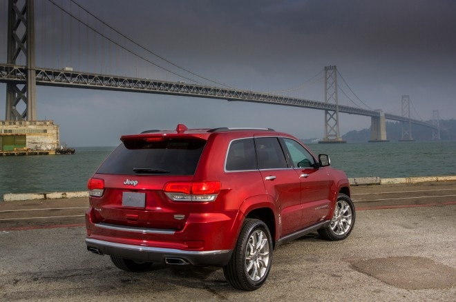 2014 Jeep Grand Cherokee Rear Angle1 660x438