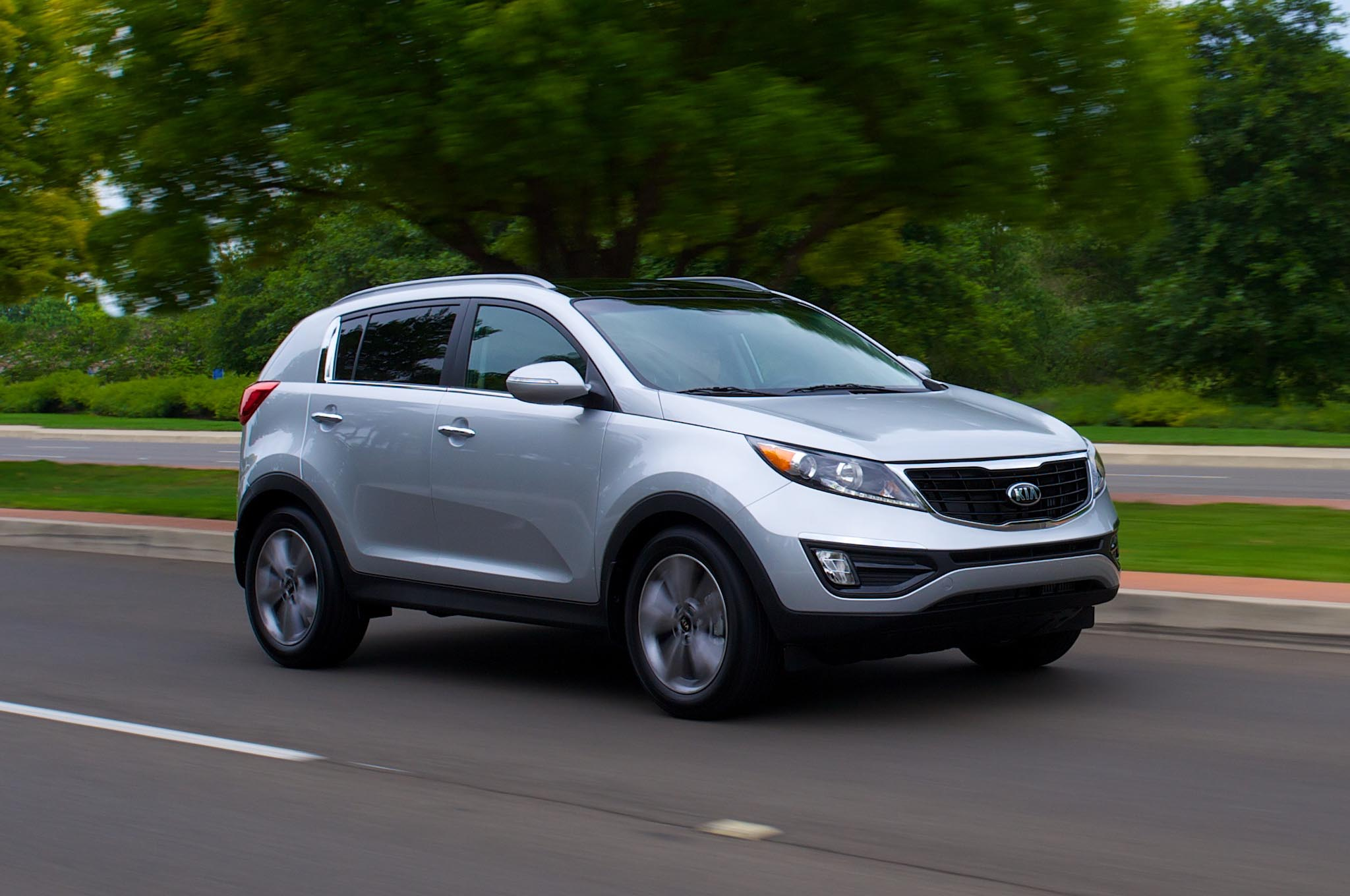 2014 kia sportage gets new engine revised styling. Black Bedroom Furniture Sets. Home Design Ideas