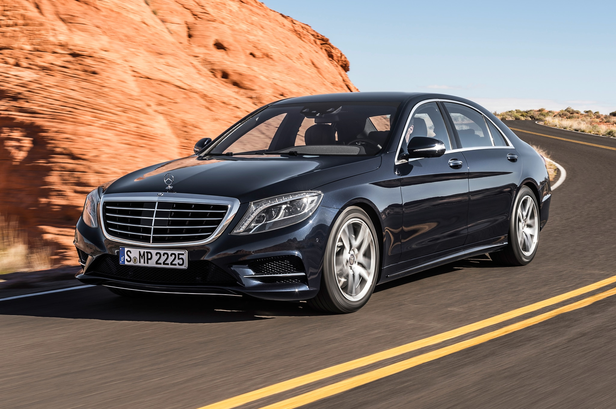 2014 Mercedes S550 Front Three Quarters1