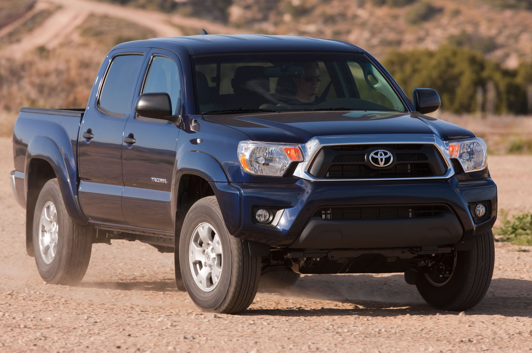 2014 Toyota Tacoma Front Three Quarters1