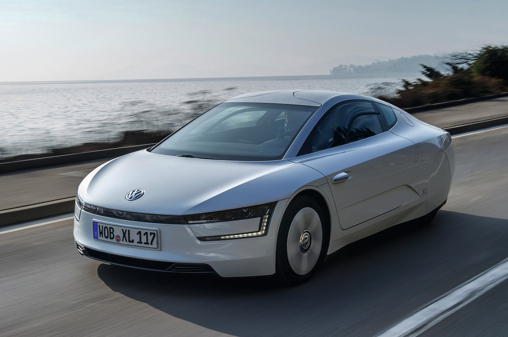 2014 Volkswagen Xl1 Front Three Quarters 21
