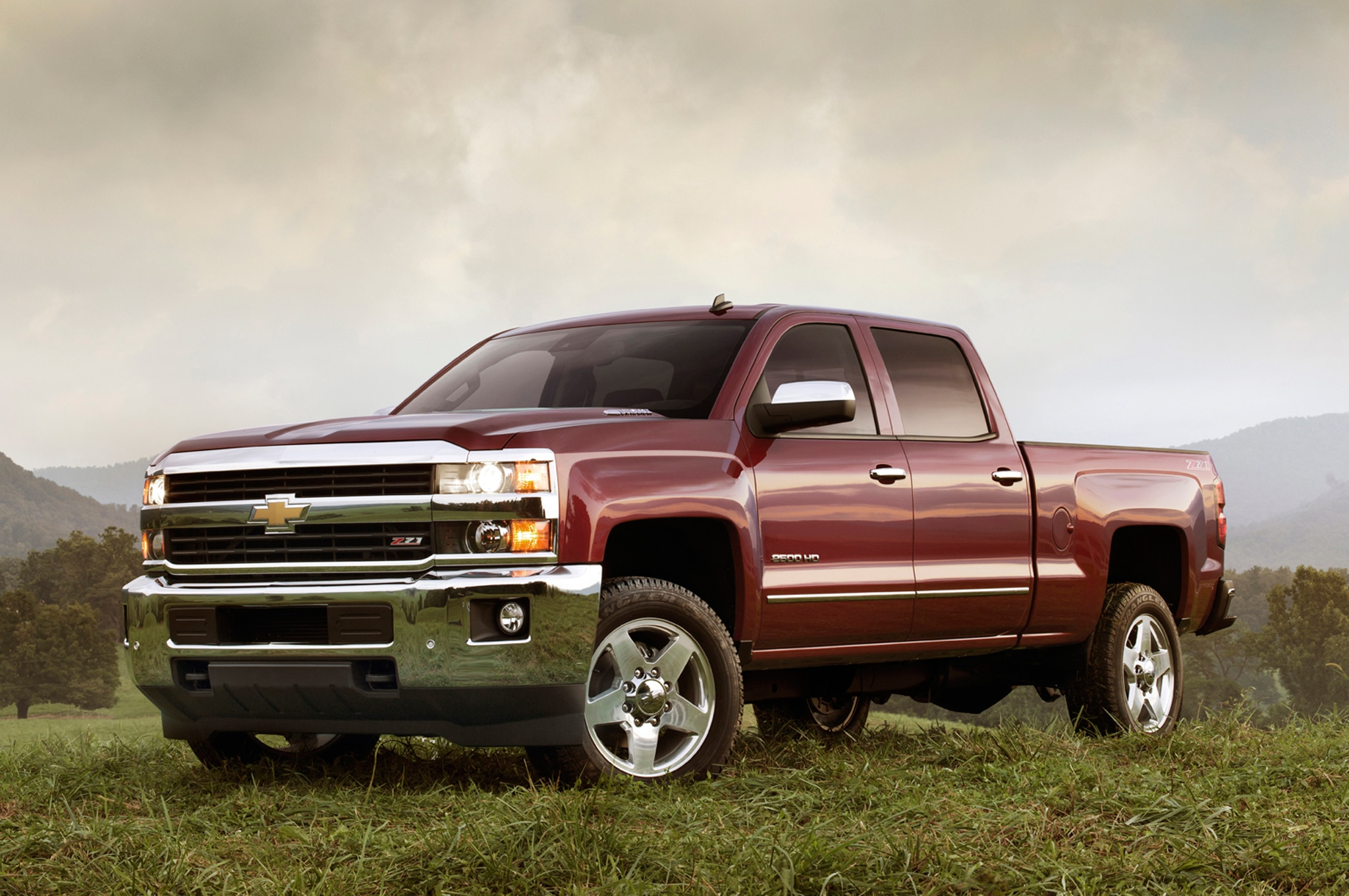 2015 chevrolet silverado and gmc sierra heavy duty first. Black Bedroom Furniture Sets. Home Design Ideas