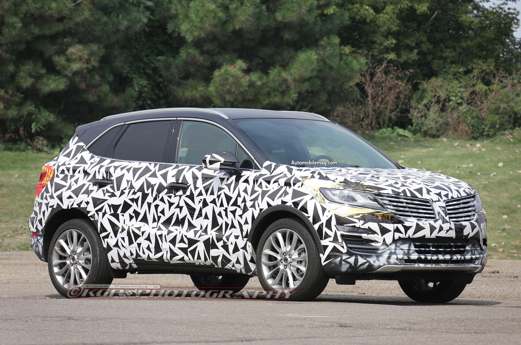 2015 Lincoln MKC Spied Front Three Quarter 21