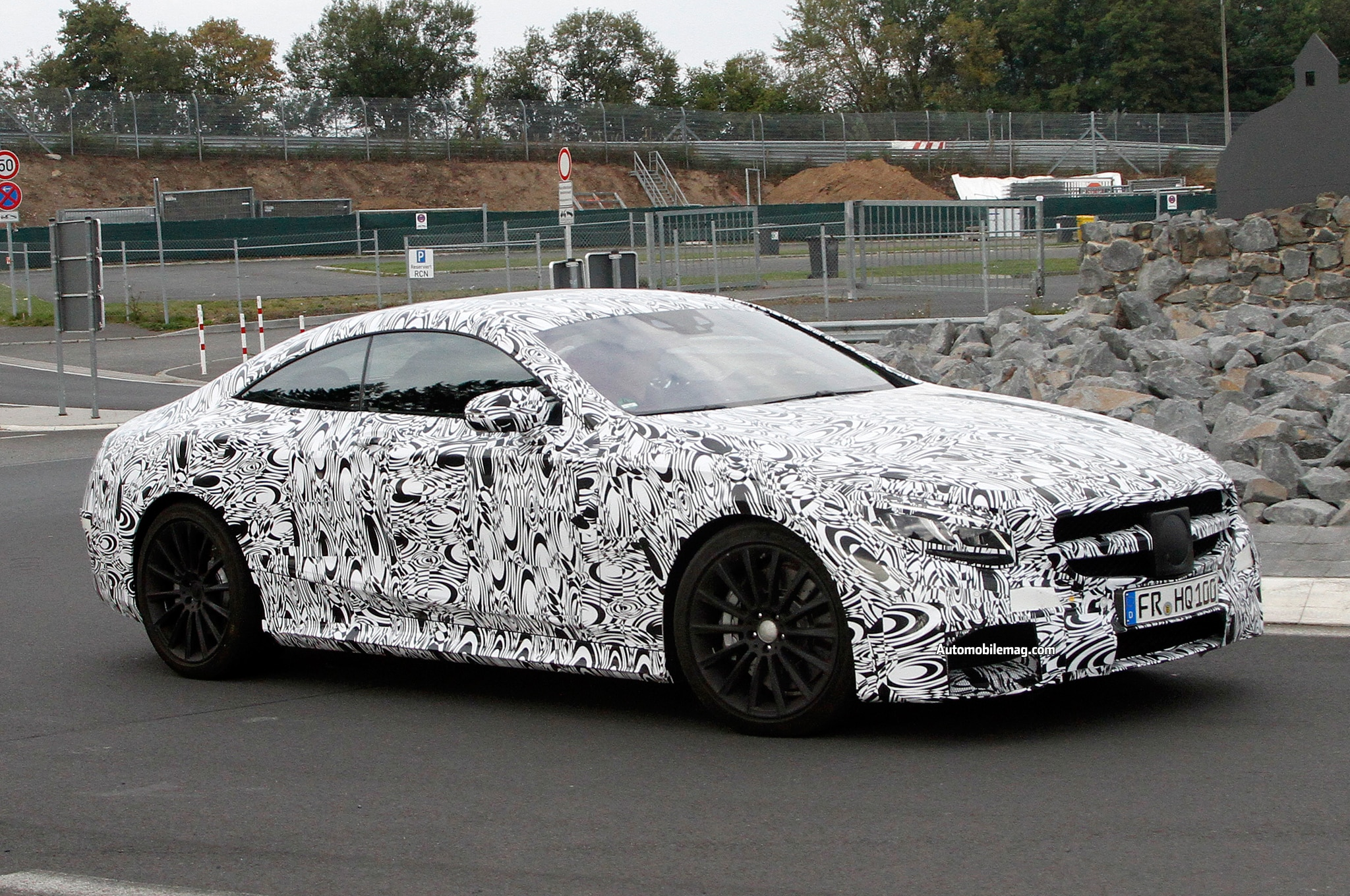 2015 Mercedes Benz S63 AMG Coupe Front Three Quarter 31