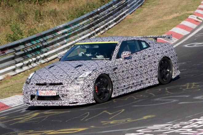 2015 Nissan GT R Nismo Spied Front Three Quarter 11 660x438