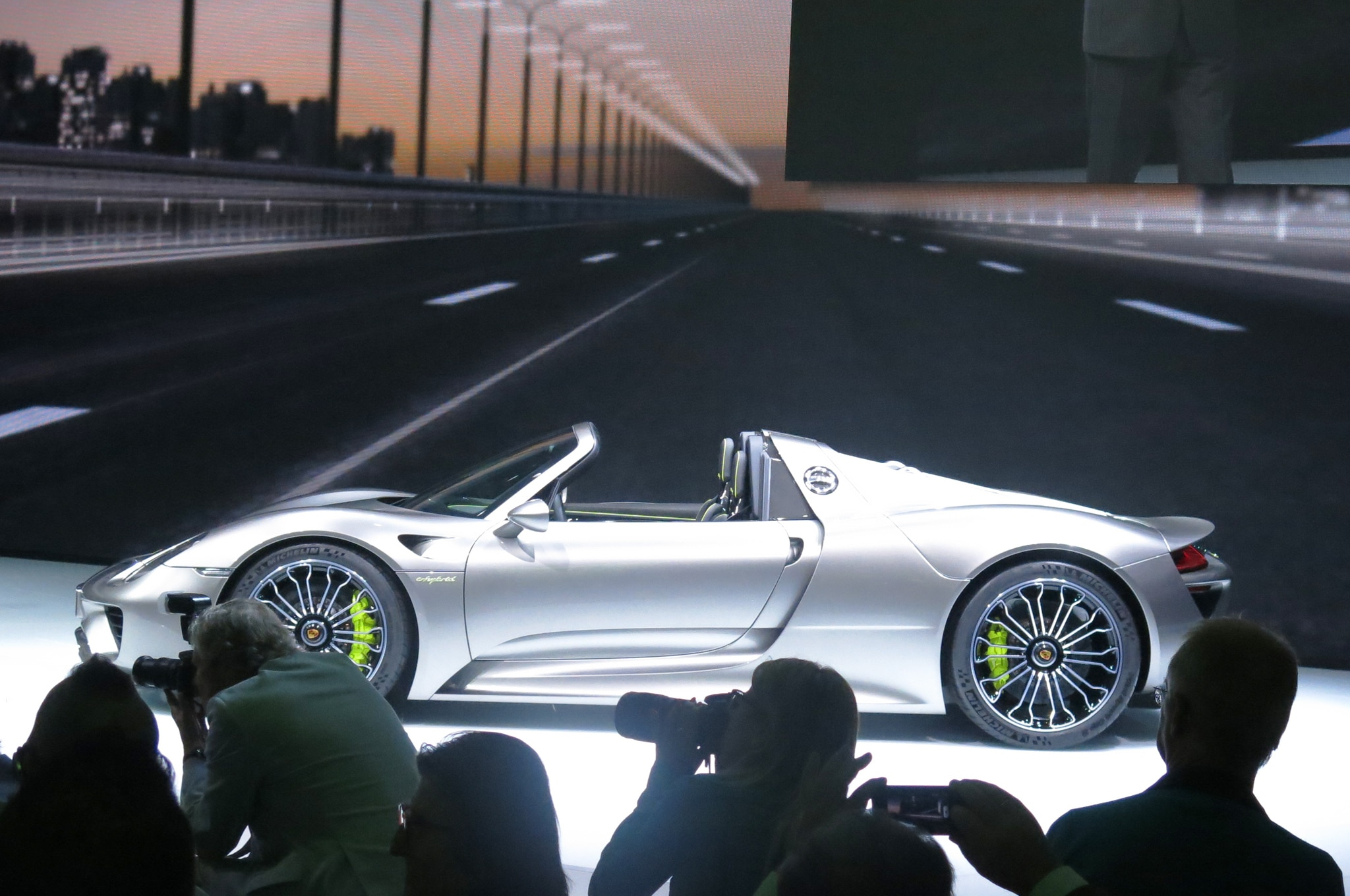 porsche 918 spyder nurburgring porsche 918 spyder claims n rburgring lap record 2014 porsche. Black Bedroom Furniture Sets. Home Design Ideas