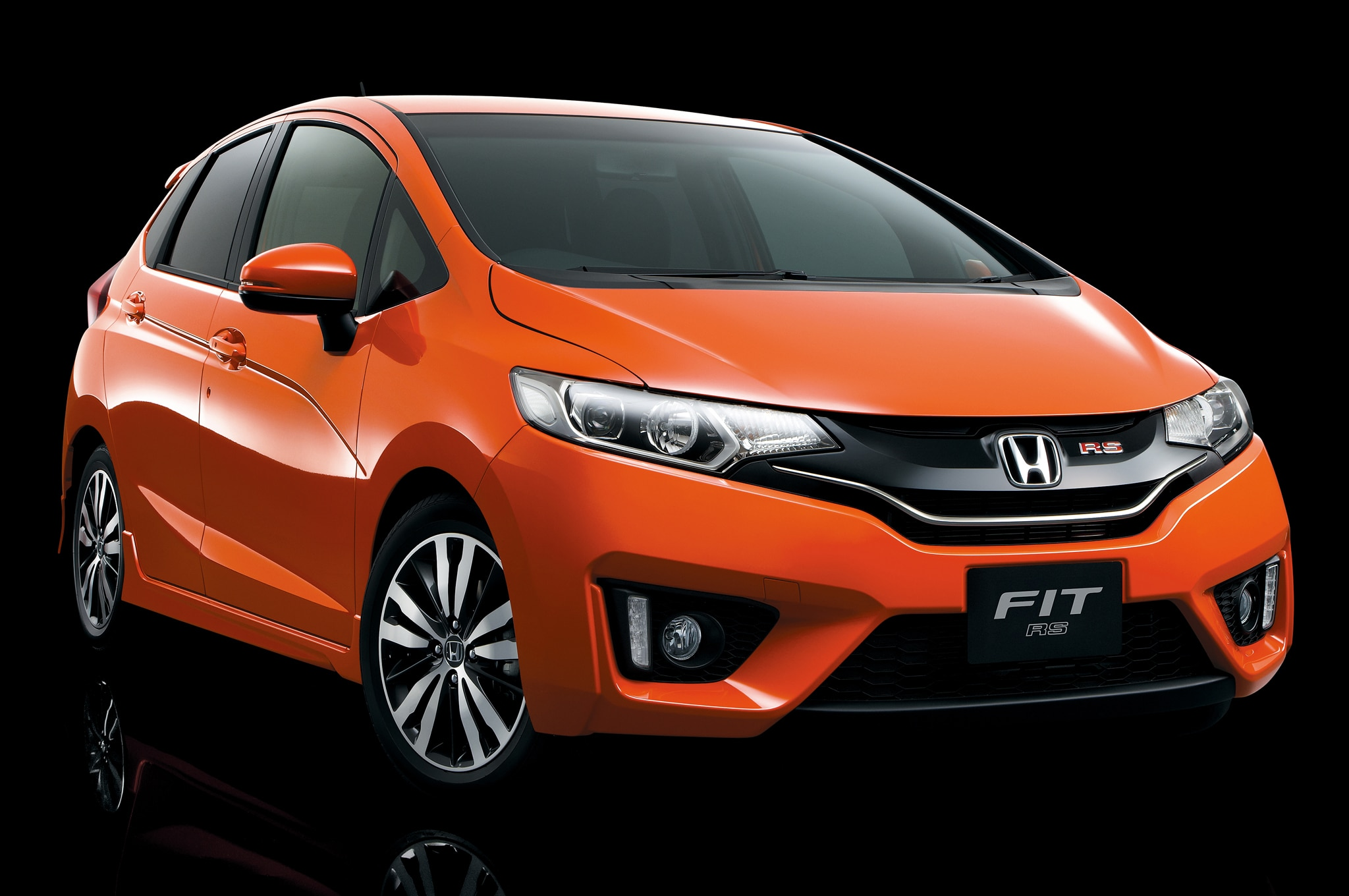 2015 Honda Fit Rs Front Three Quarters1