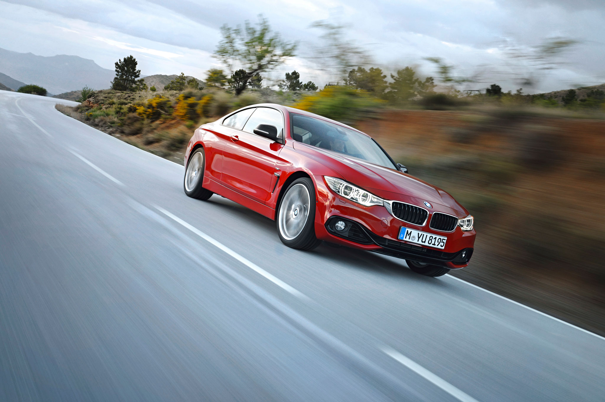BMW 4 Series Front Right View1