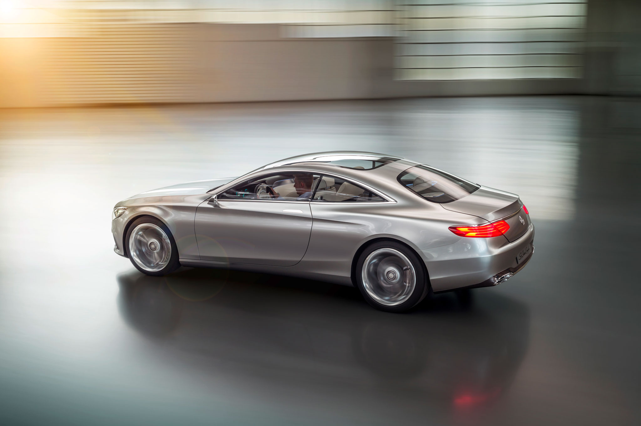 how to show song lyrics on mercedes c class