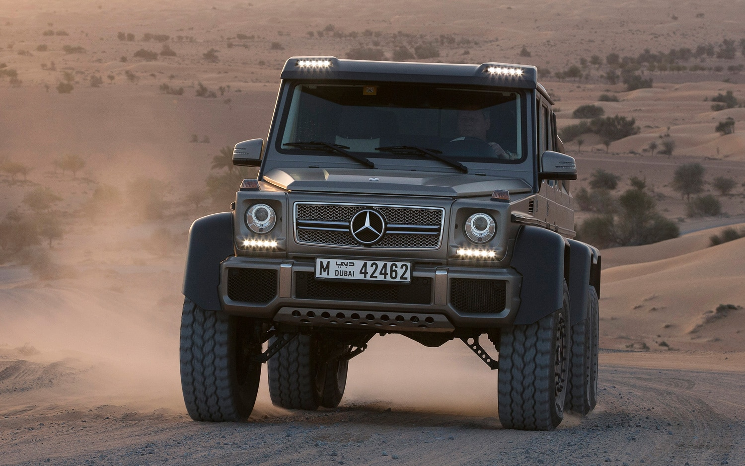 Mercedes Benz G63 AMG 6x6 Front View Silver1