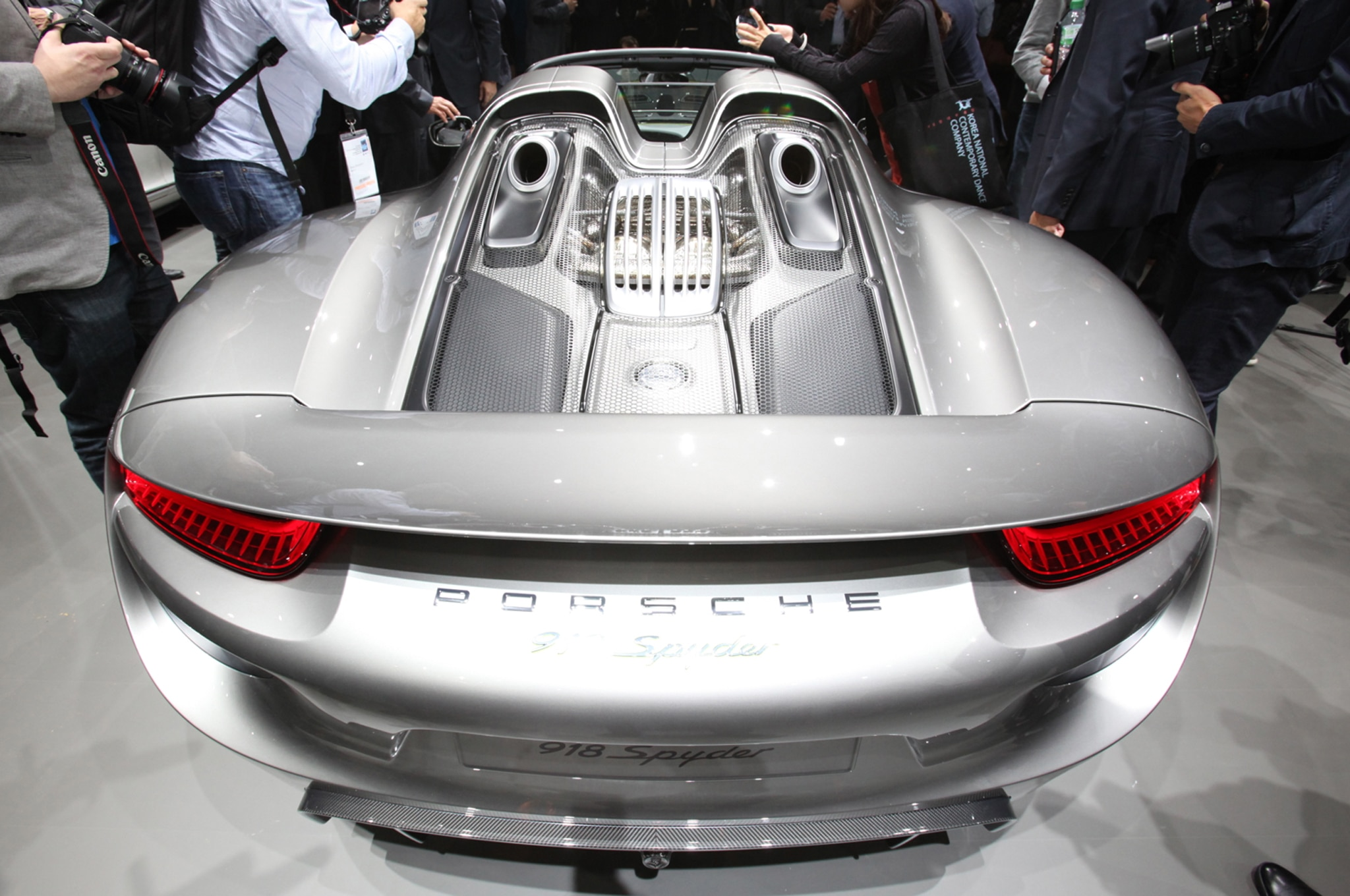 2015 porsche 918 spyder production details. Black Bedroom Furniture Sets. Home Design Ideas