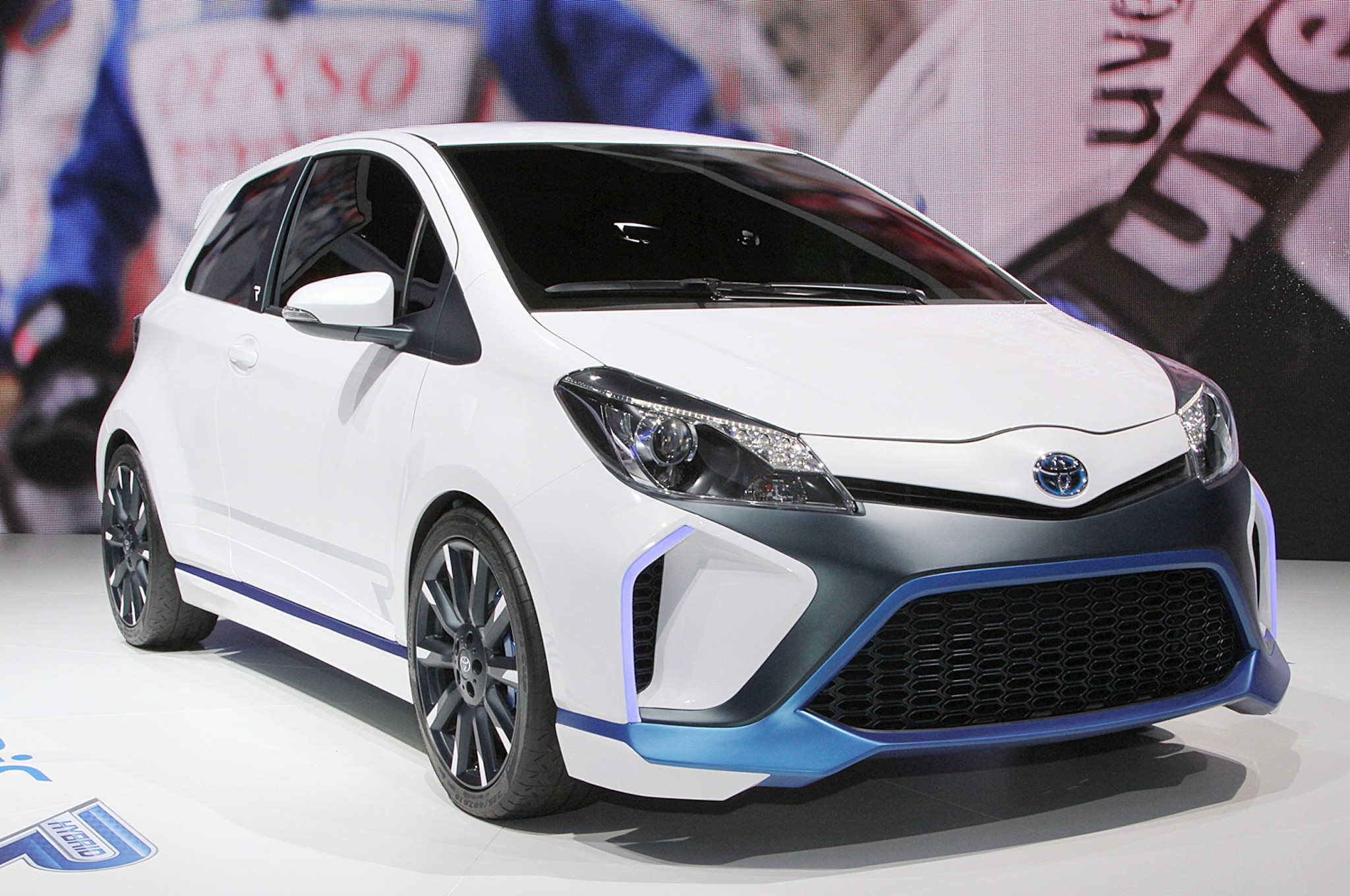 Toyota Yaris Hybrid R Concept Front Three Quarters1