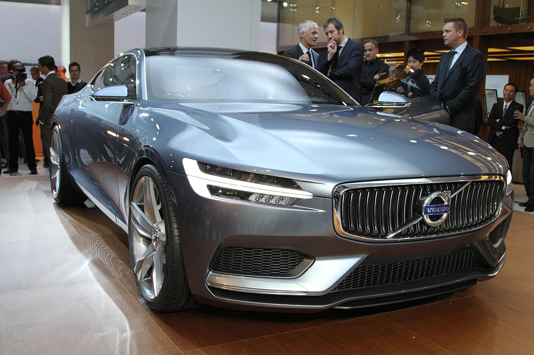 Volvo C Coupe Concept Front Three Quarter1