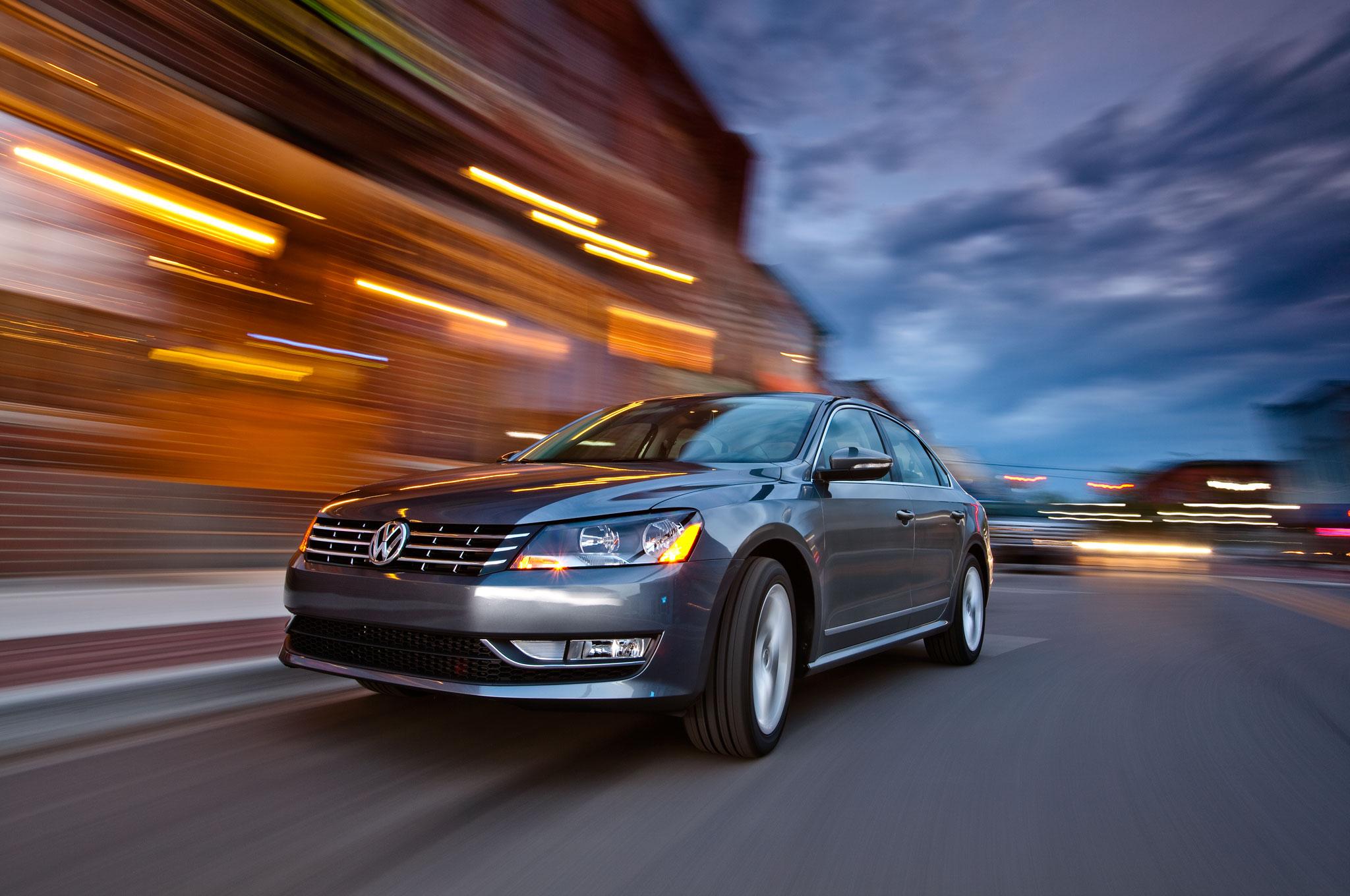2012 Volkswagen Passat SE TDI Front Left View1
