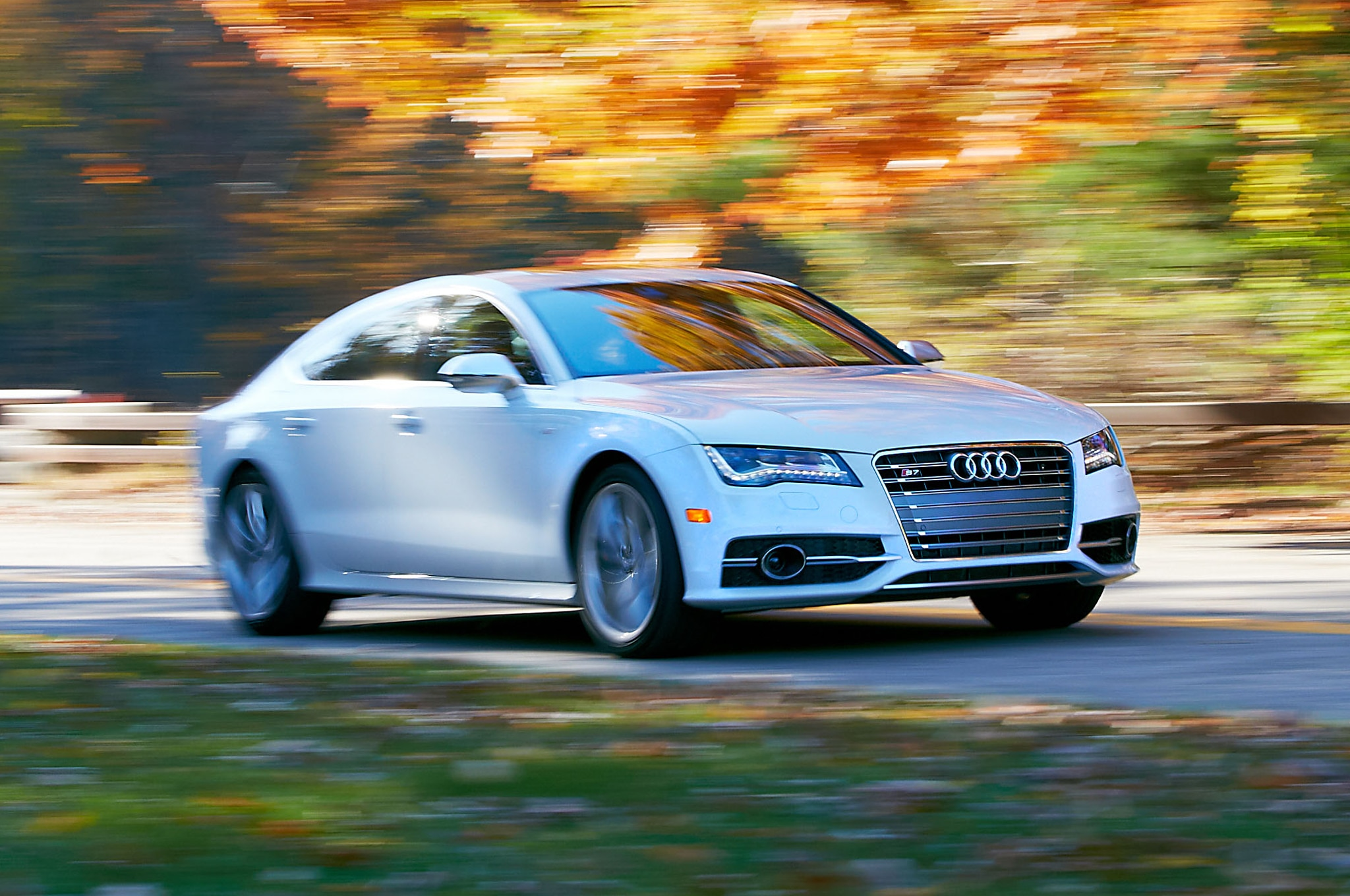 2013 Audi S7 Front Three Quarter1