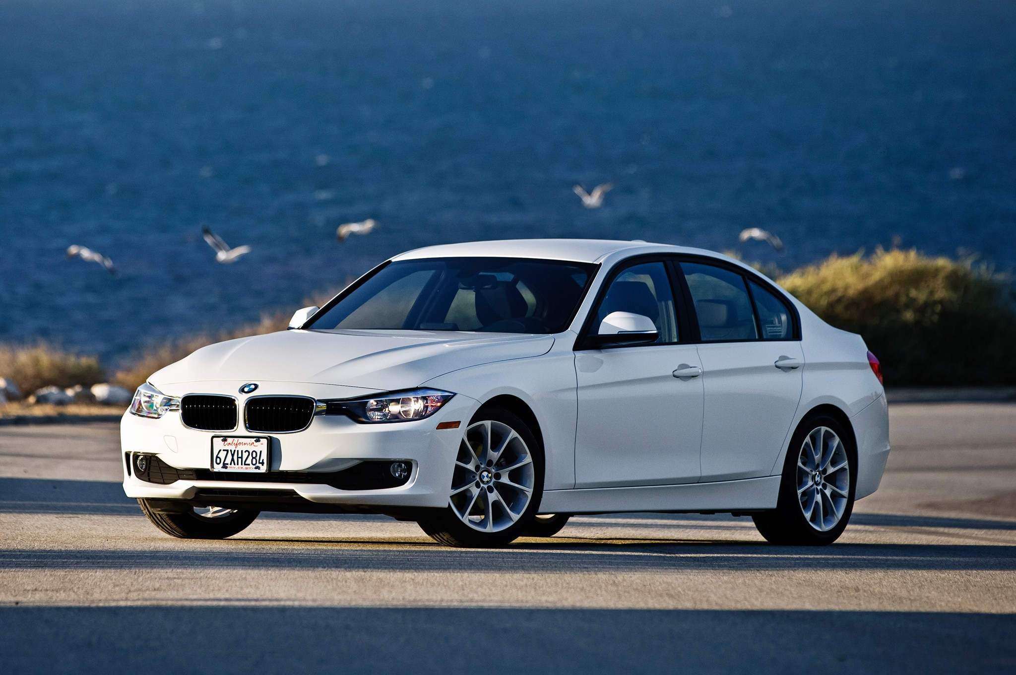 2013 BMW 320i Front Three Quarter1