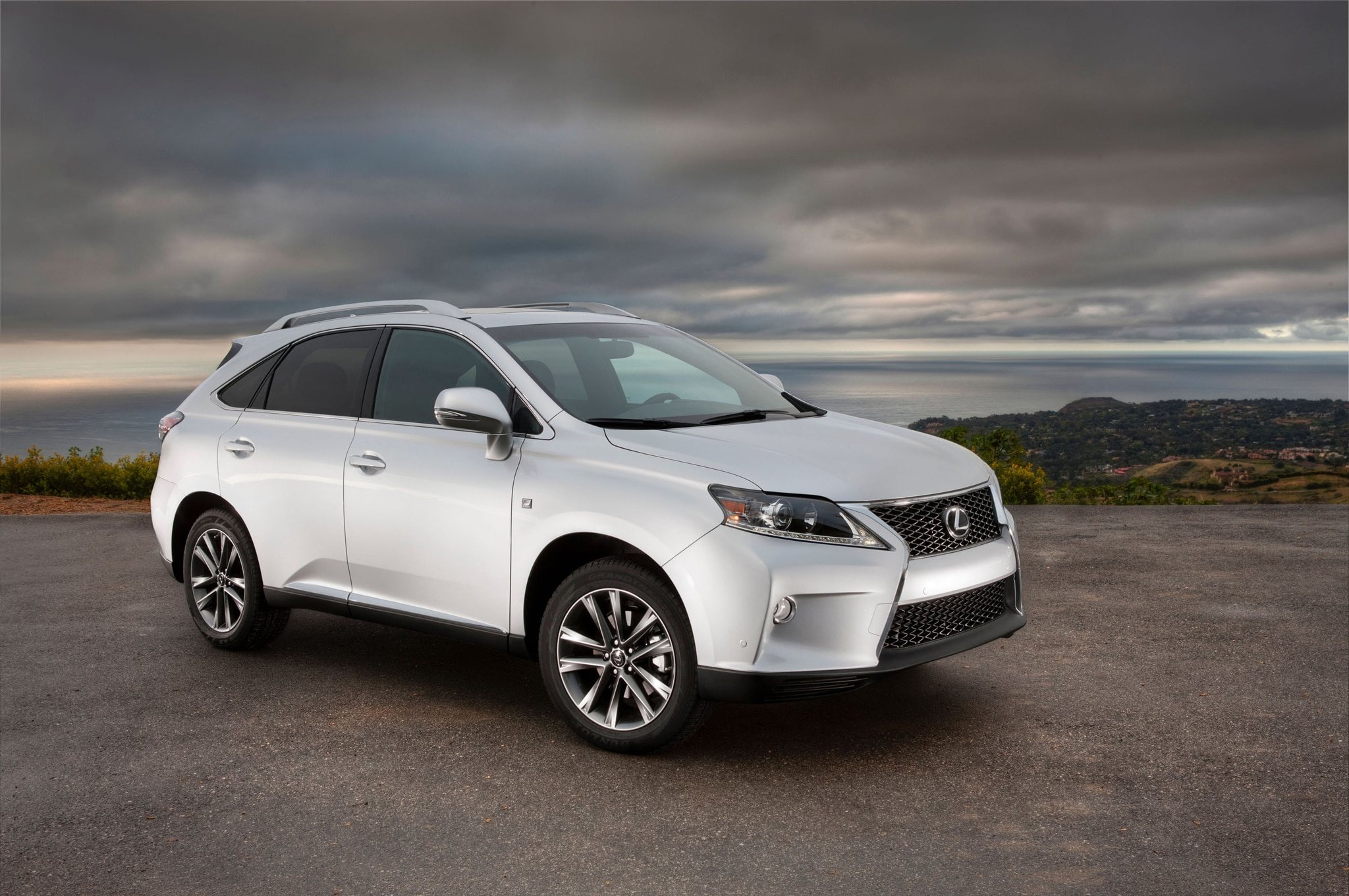 2013 Lexus RX 350 F Sport Front Three Quarters1