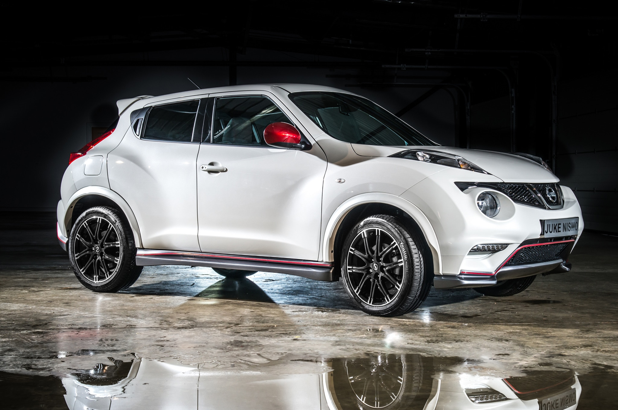 2013 Nissan Juke Nismo Front Three Quarters 21