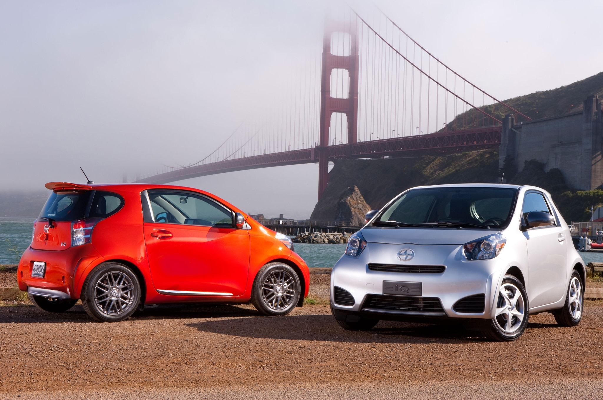 2013 Scion Iq Pair1