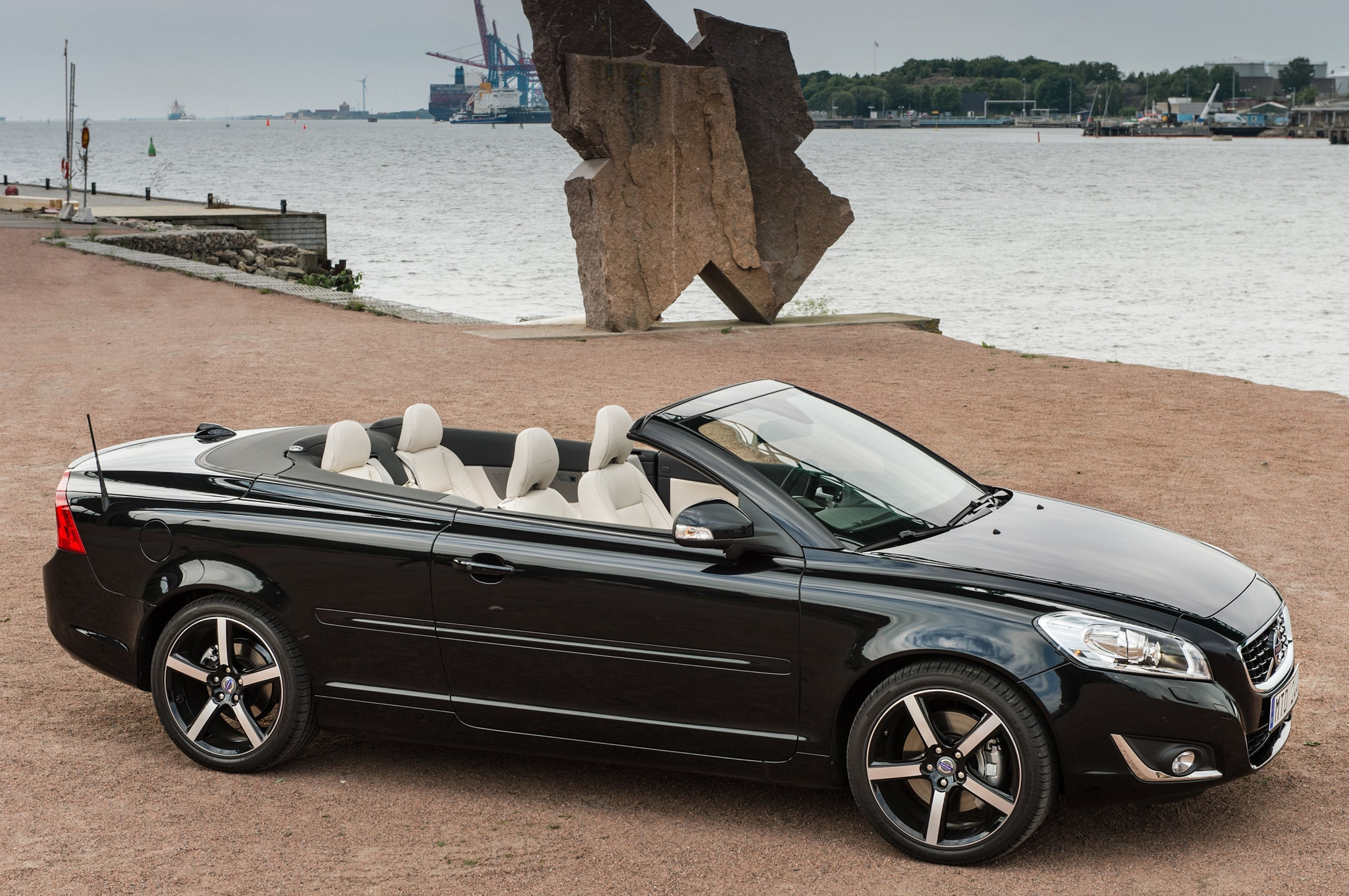 2013 Volvo C70 Profile Top Down 21