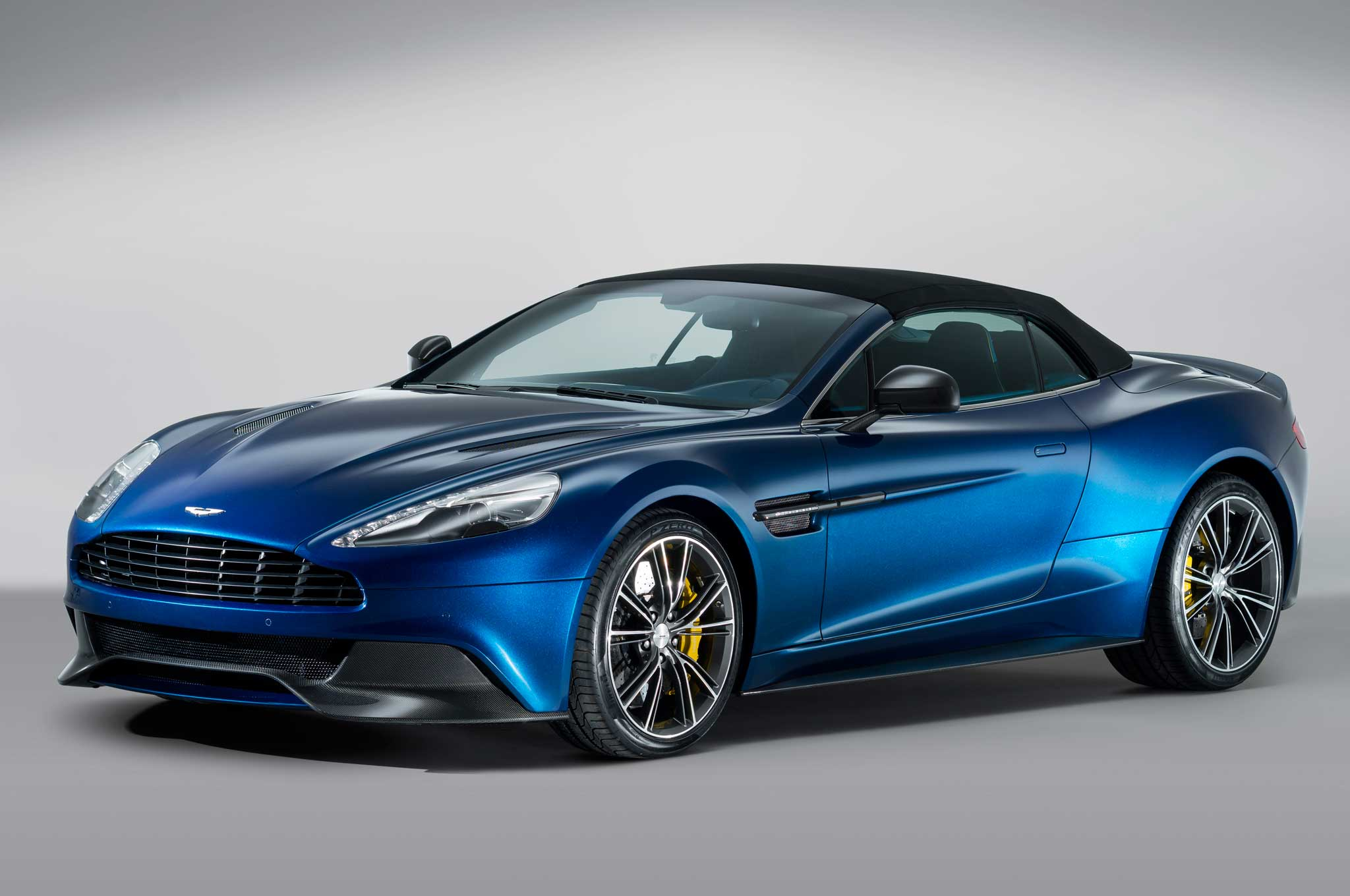 2014 Aston Martin Vanquish Volante Front Three Quarter Roof Up1