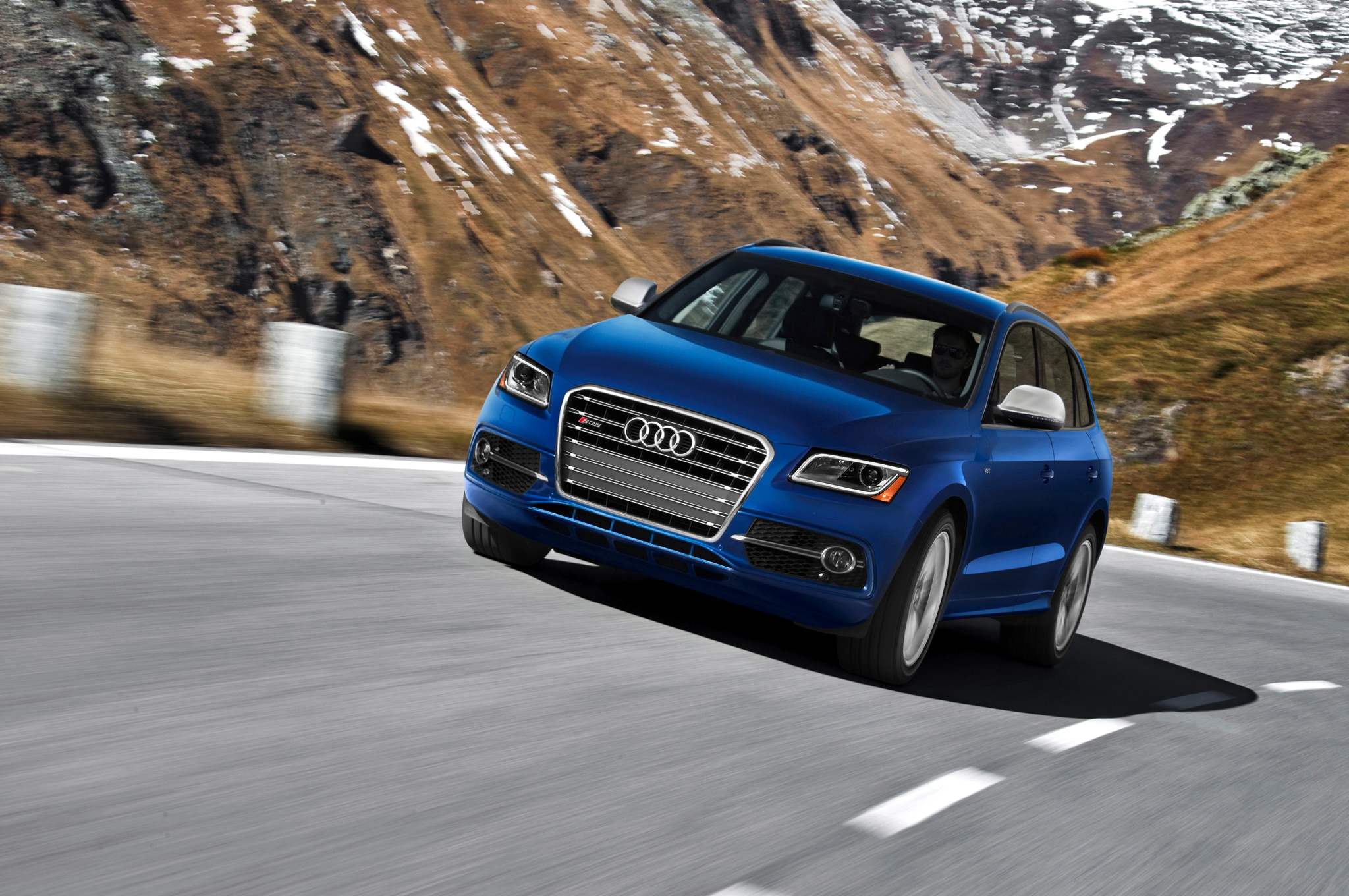 2014 Audi SQ5 Front End In Motion1