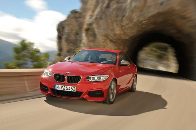 2014 BMW 2 Series Coupe Front End In Motion1 660x438