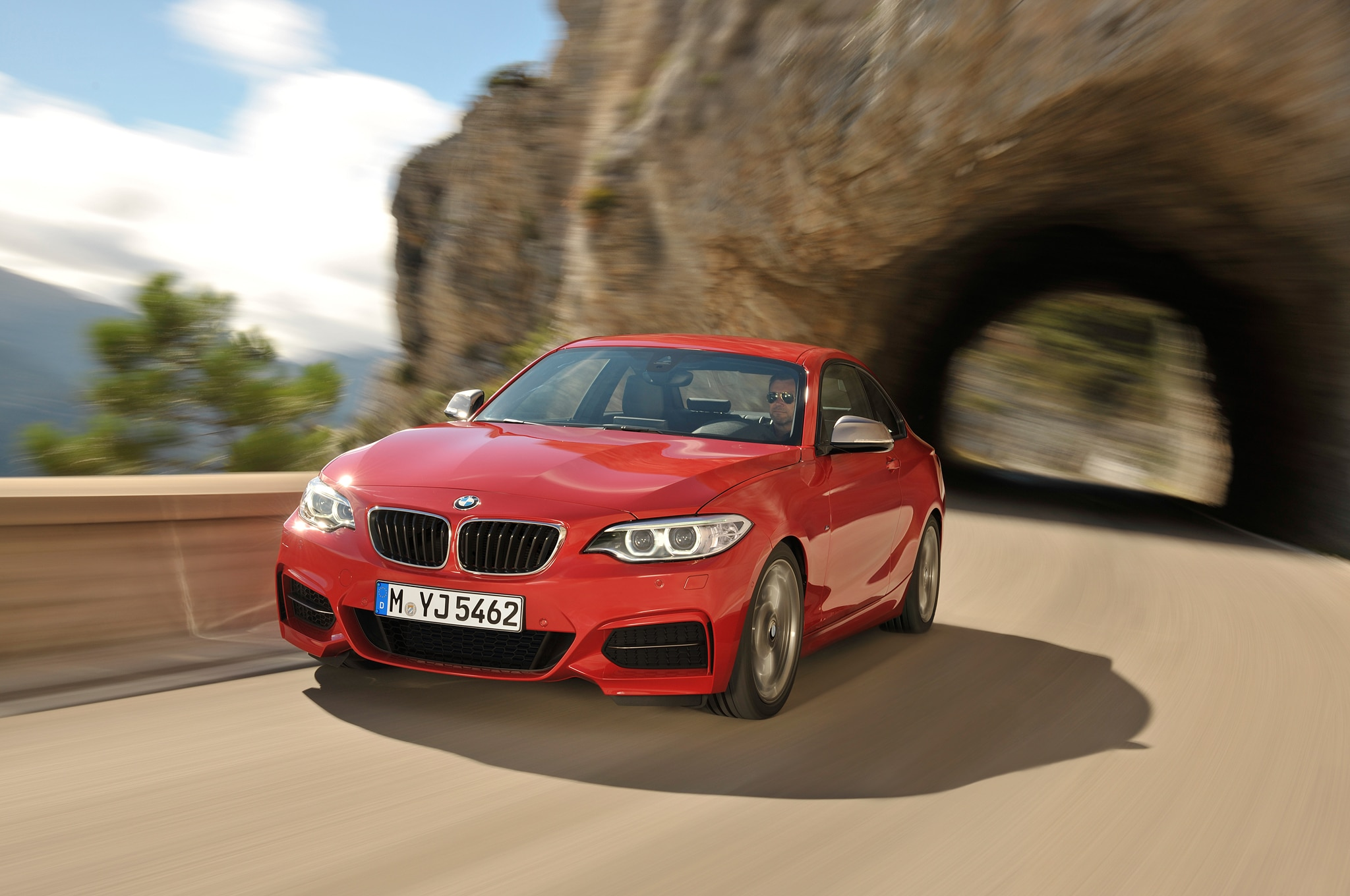 2014 BMW 2 Series Coupe Front End In Motion1