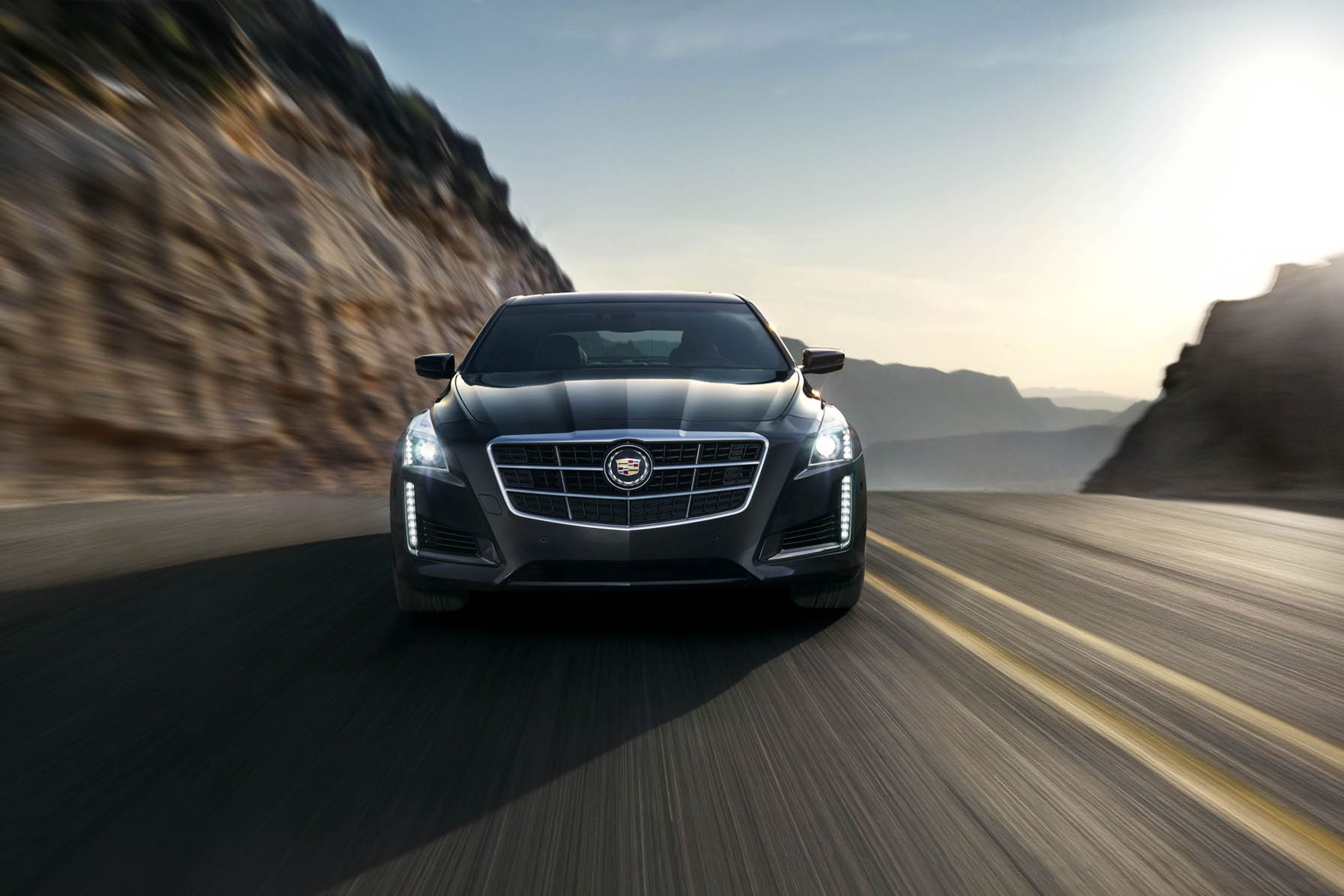 2014 Cadillac CTS Front View In Motion1