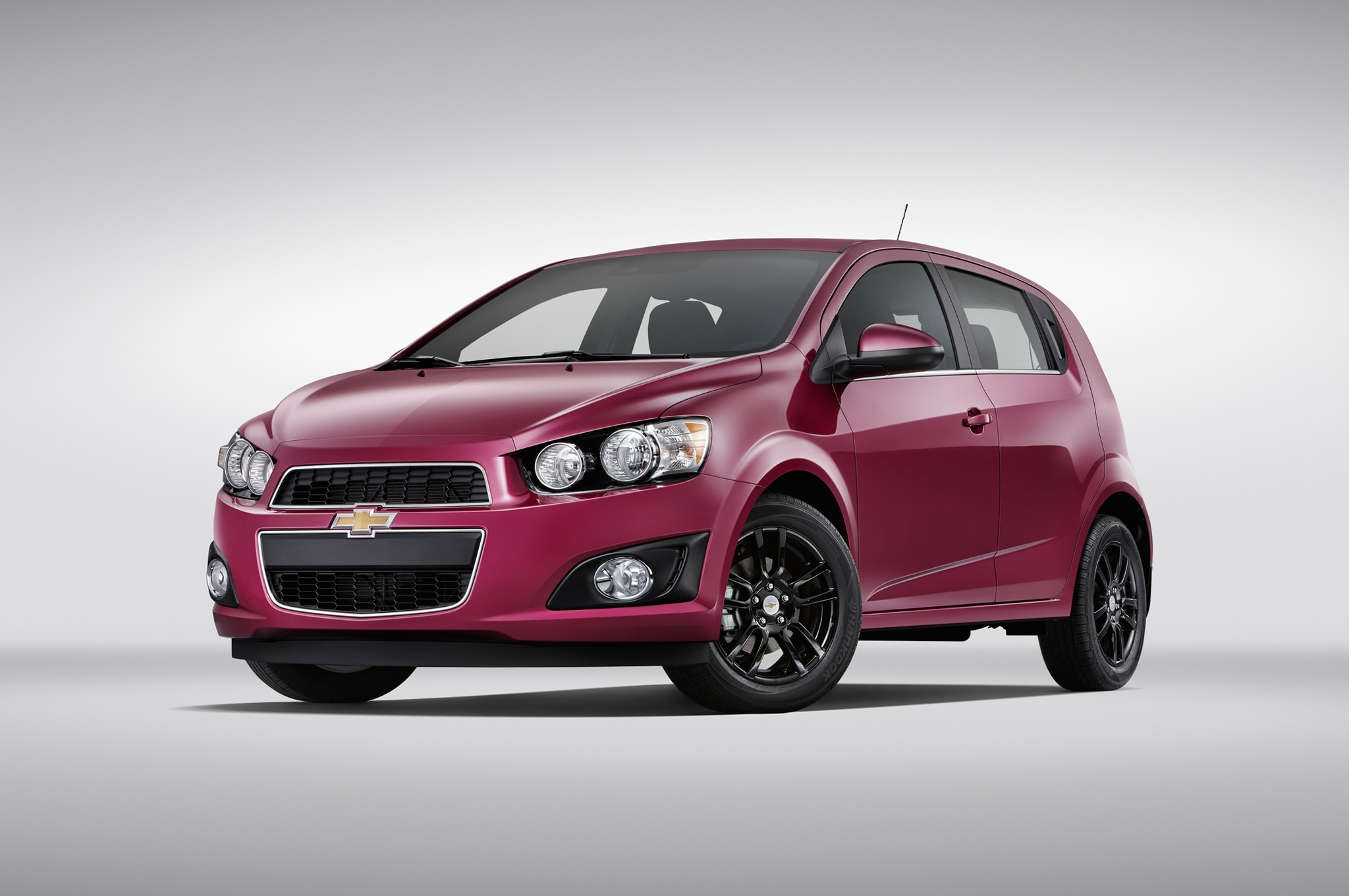 2013 2014 chevrolet sonic recalled for loose fuel tank. Black Bedroom Furniture Sets. Home Design Ideas