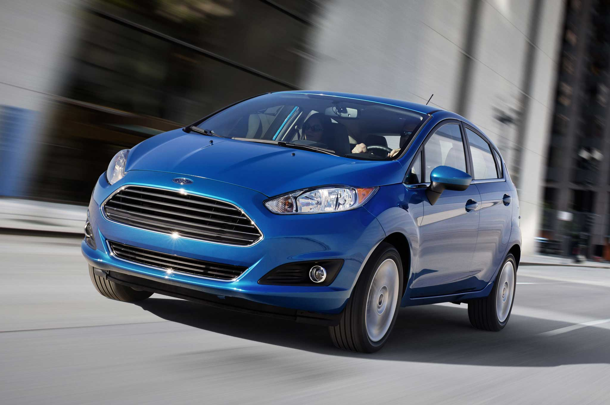 2014 Ford Fiesta Hatchback Front Three Quarter1