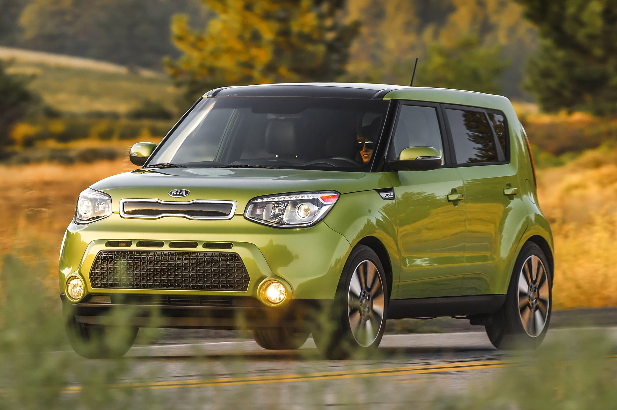 kia soul ev arrives in 2014. Black Bedroom Furniture Sets. Home Design Ideas