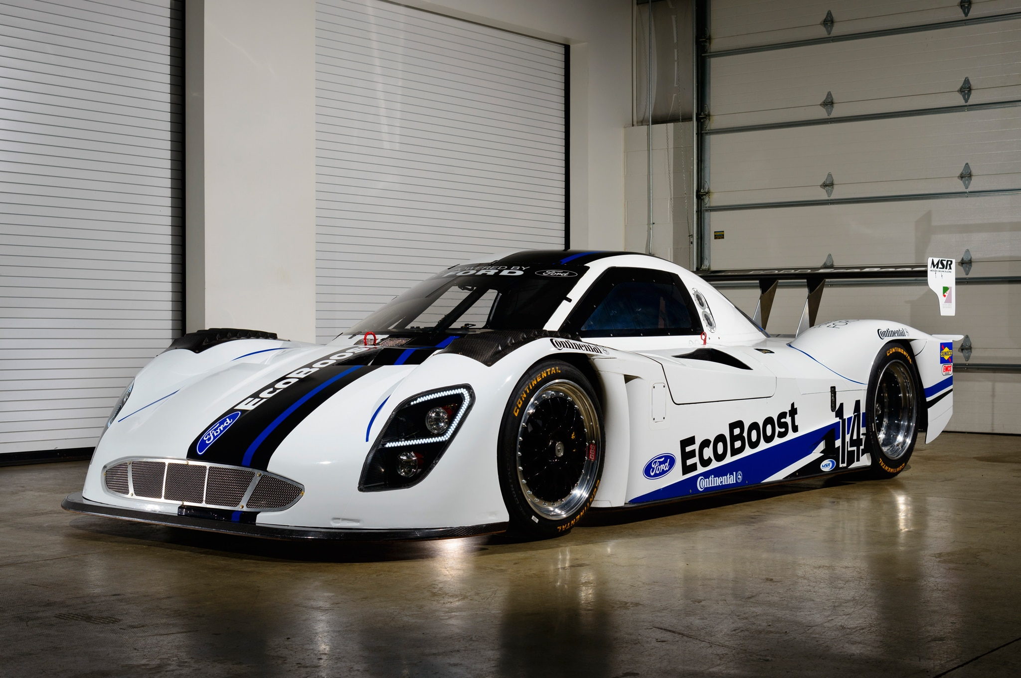 2014 Riley Technologies Daytona Prototype Front Three Quarter2