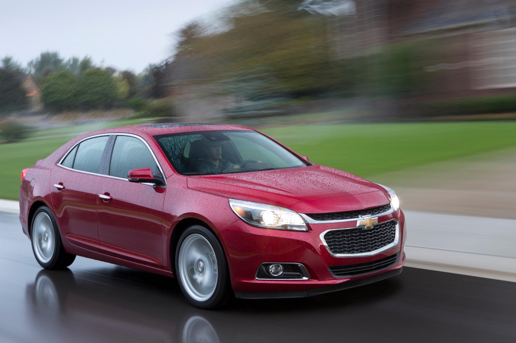 2014 Chevrolet Malibu Front Three Quarter Motion1