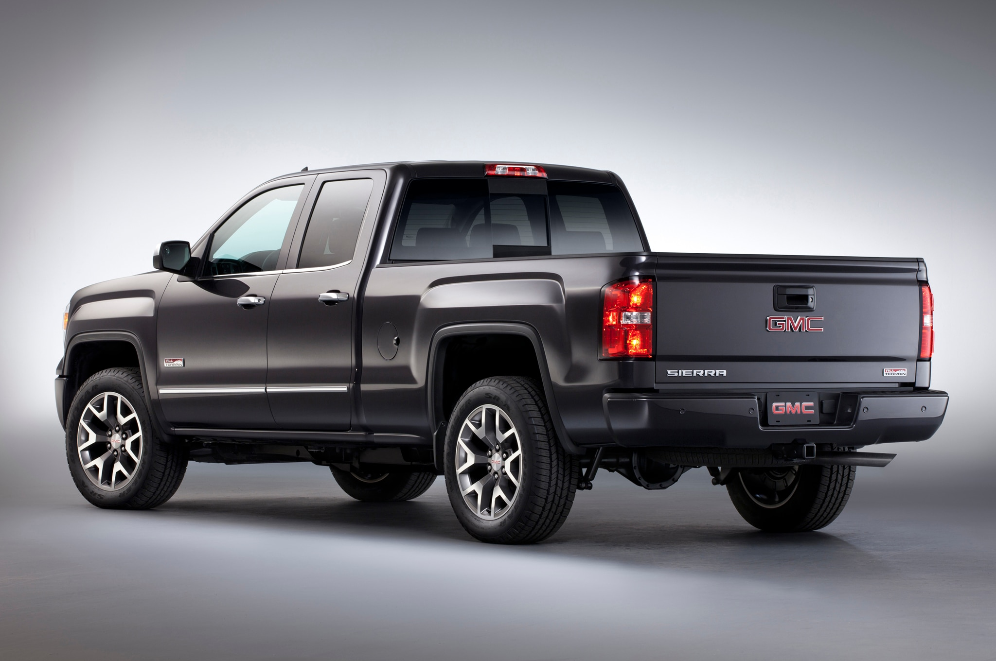recall central 2014 chevrolet silverado and gmc sierra 1500. Black Bedroom Furniture Sets. Home Design Ideas