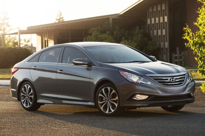 2014 Hyundai Sonata Front Three Quarters 21 660x438