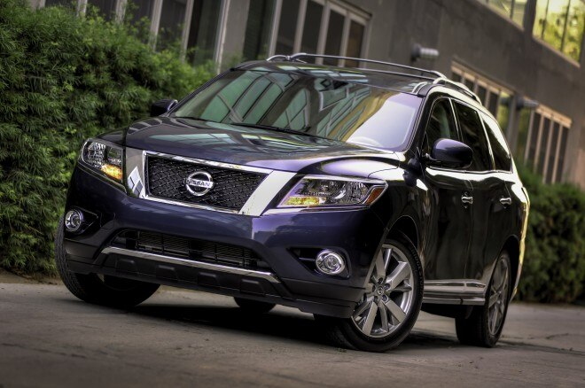 2014 Nissan Pathfinder Front Three Quarters1 660x438