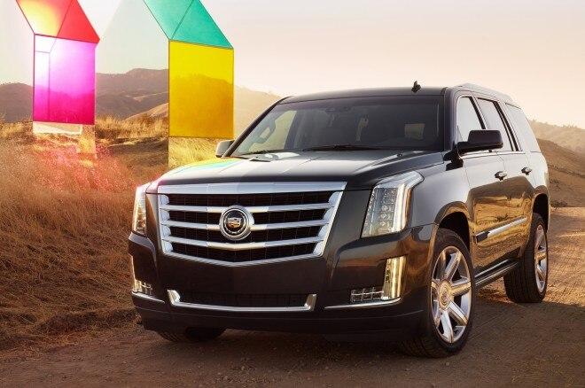2015 Cadillac Escalade Front Three Quarters View1 660x438