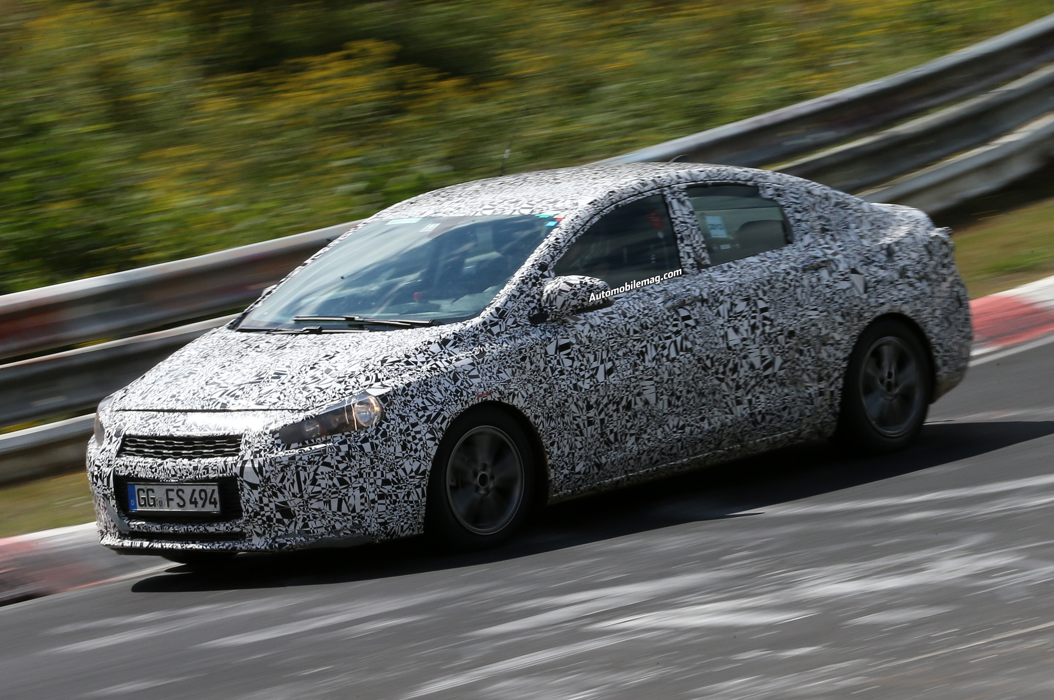 2015 Chevrolet Cruze Spied Front Three Quarter 21