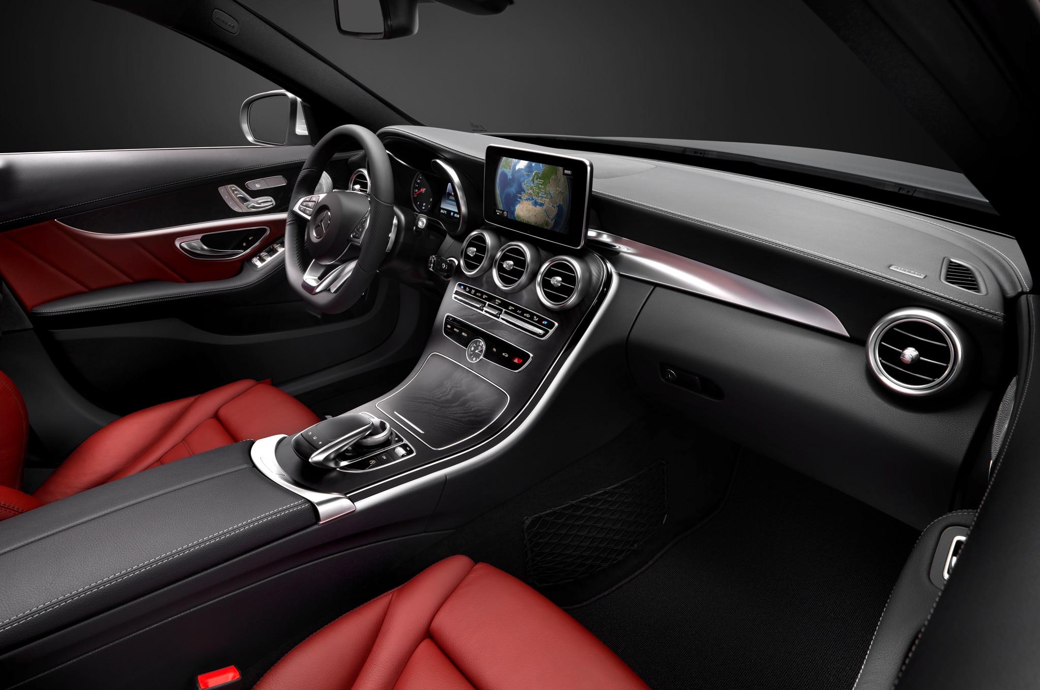2015 Mercedes Benz C Class Interior 11