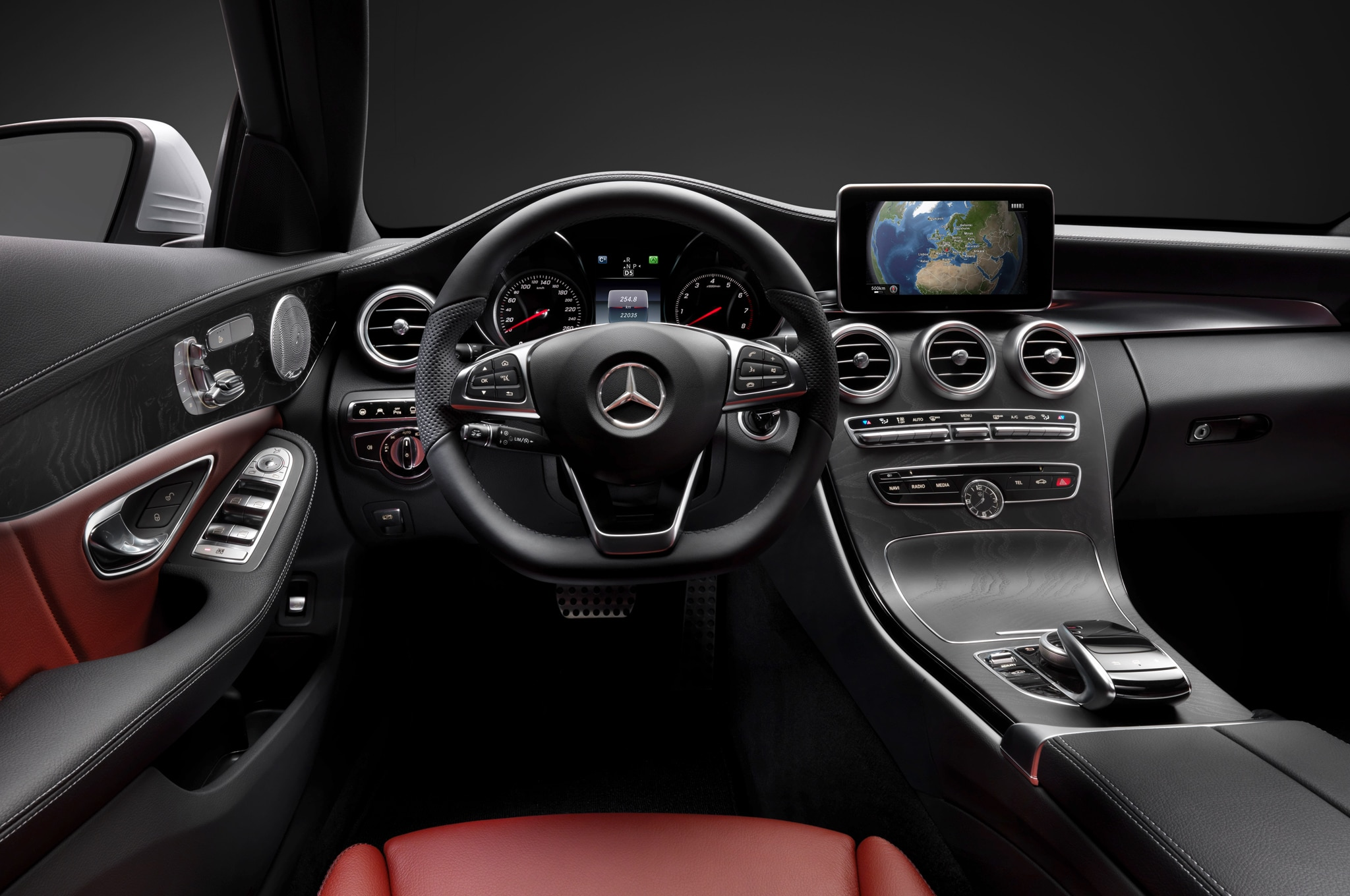 2015 mercedes-benz c-class interior, technologies revealed