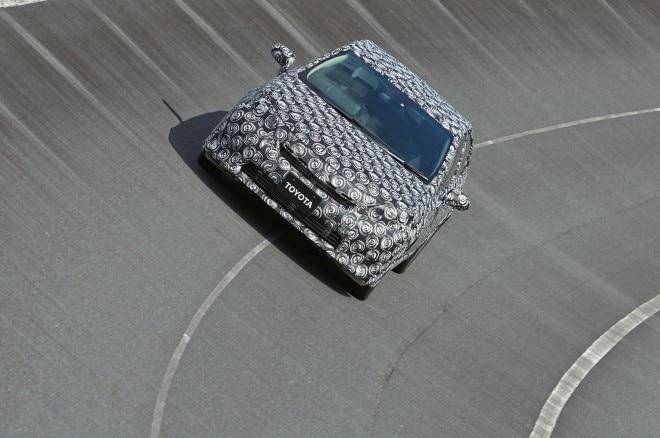 2015 Toyota Hydrogen Sedan Prototype Front View 21 660x438