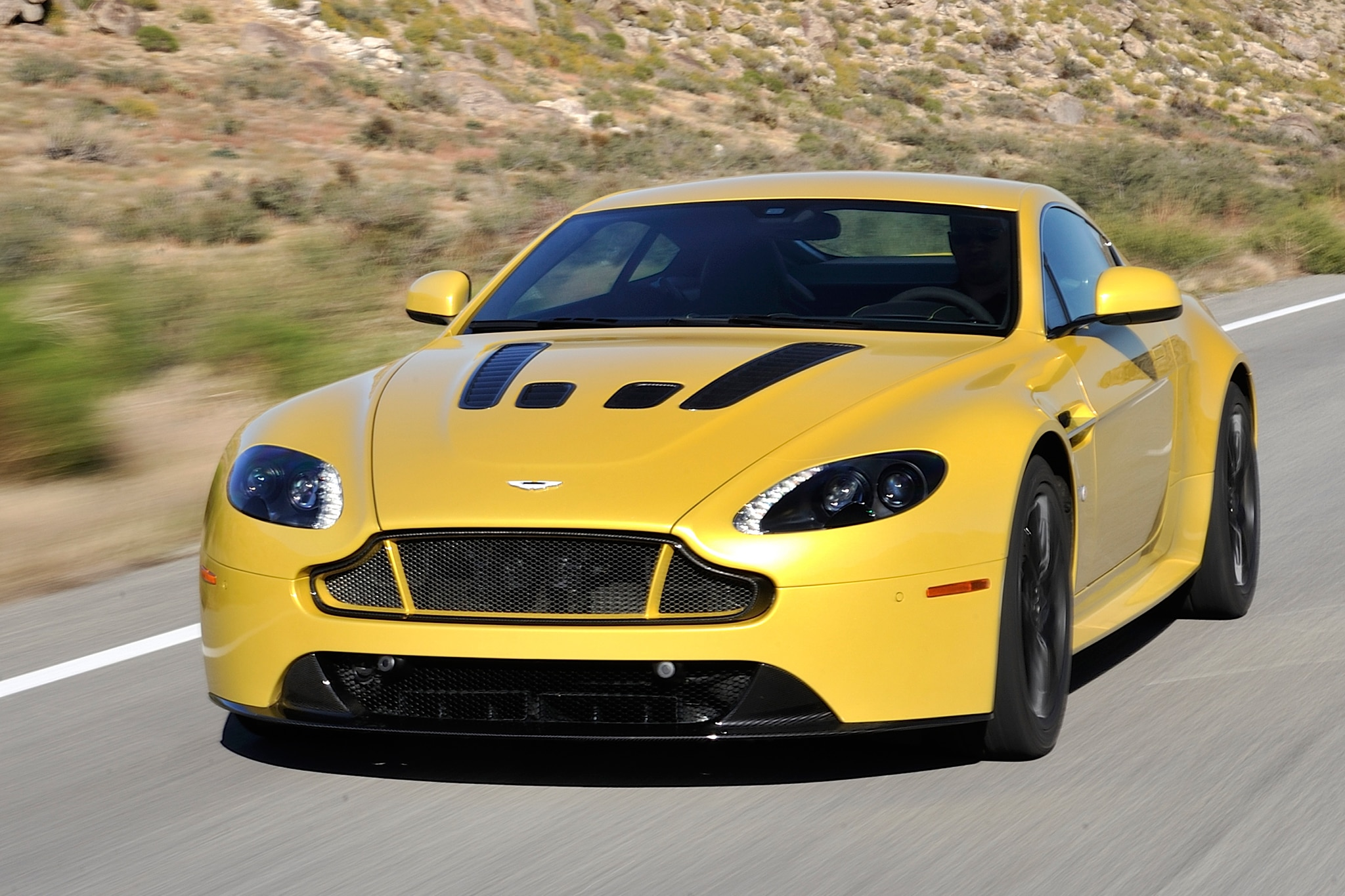 2015 Aston Martin V12 Vantage S Three Quarters View 82