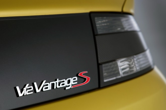 2015 Aston Martin V12 Vantage S Rear Badge1 660x438