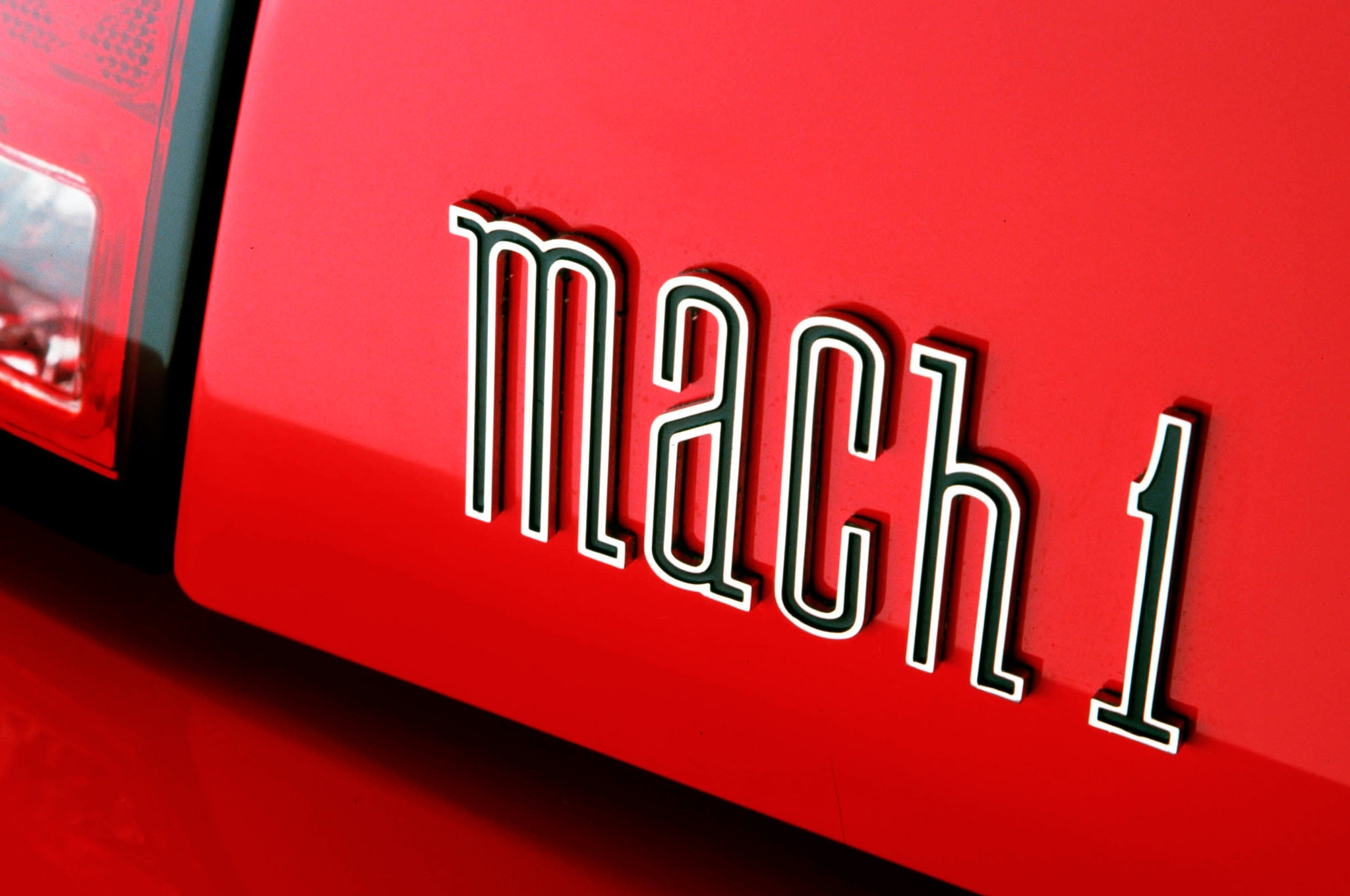 Ford Mustang Mach 1 Emblem View1